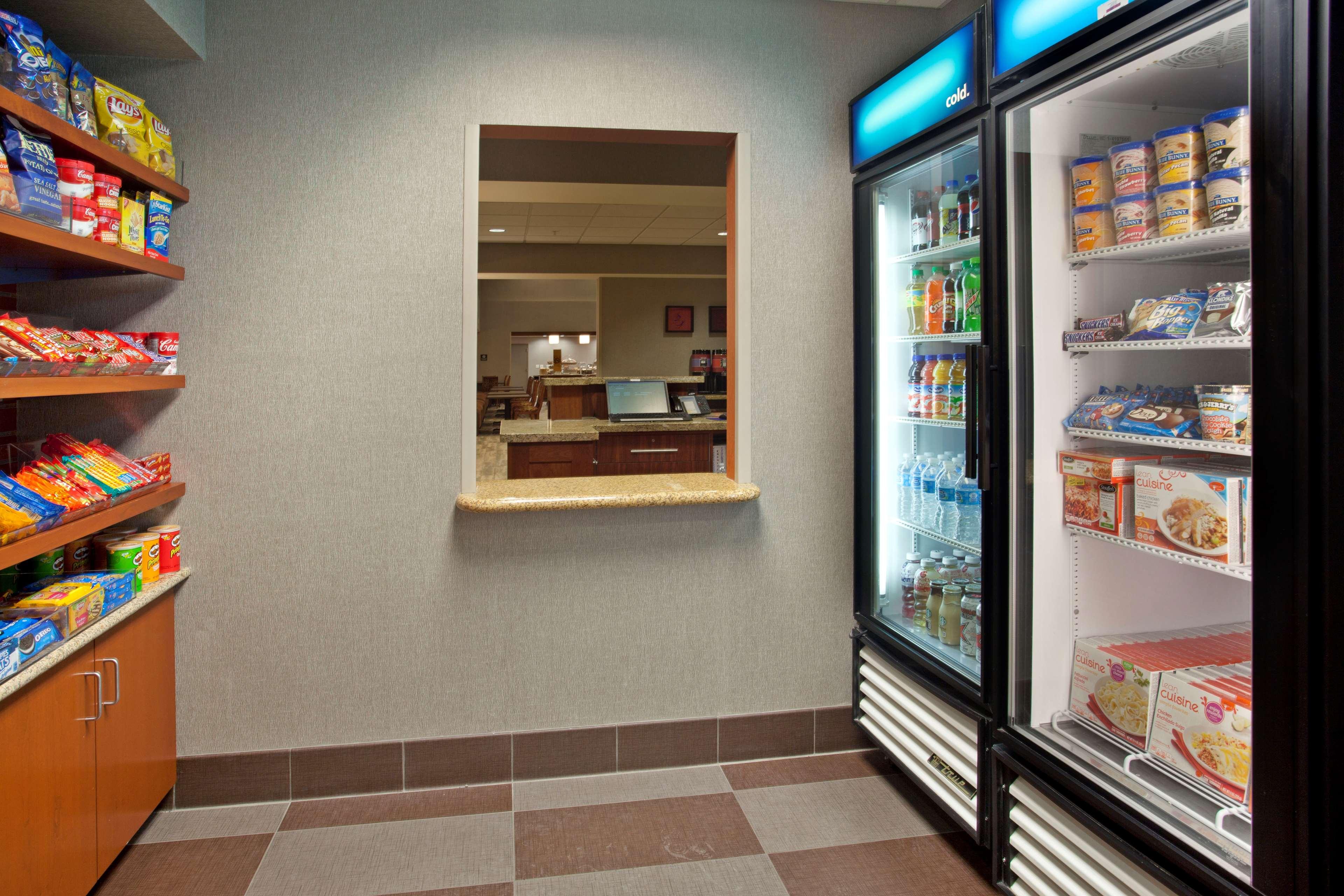 Hampton Inn Suites Minneapolis St Paul Arpt-Mall of America image 6