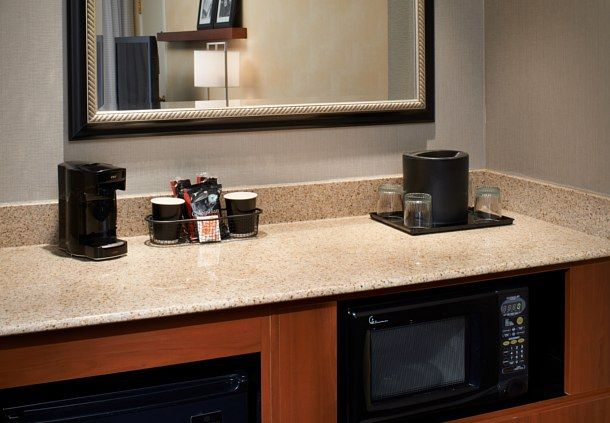 Courtyard by Marriott Detroit Dearborn image 20