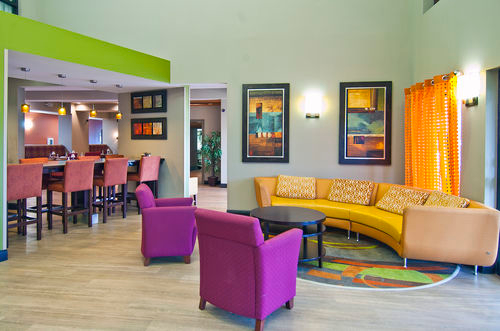 Holiday Inn Hotel & Suites Opelousas - ad image