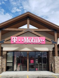Exterior photo of T-Mobile Store at Broadway & 10th, Alexandria, MN