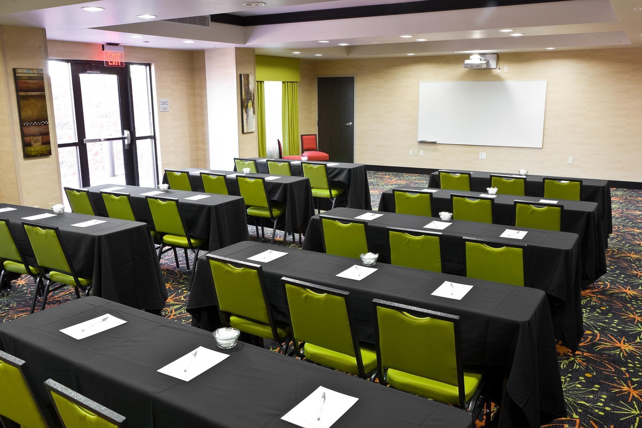Hampton Inn & Suites Tulsa/Central image 11