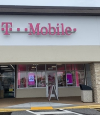 Exterior photo of T-Mobile Store at Tamiami Trail N & Old Trail Dr, Naples, FL