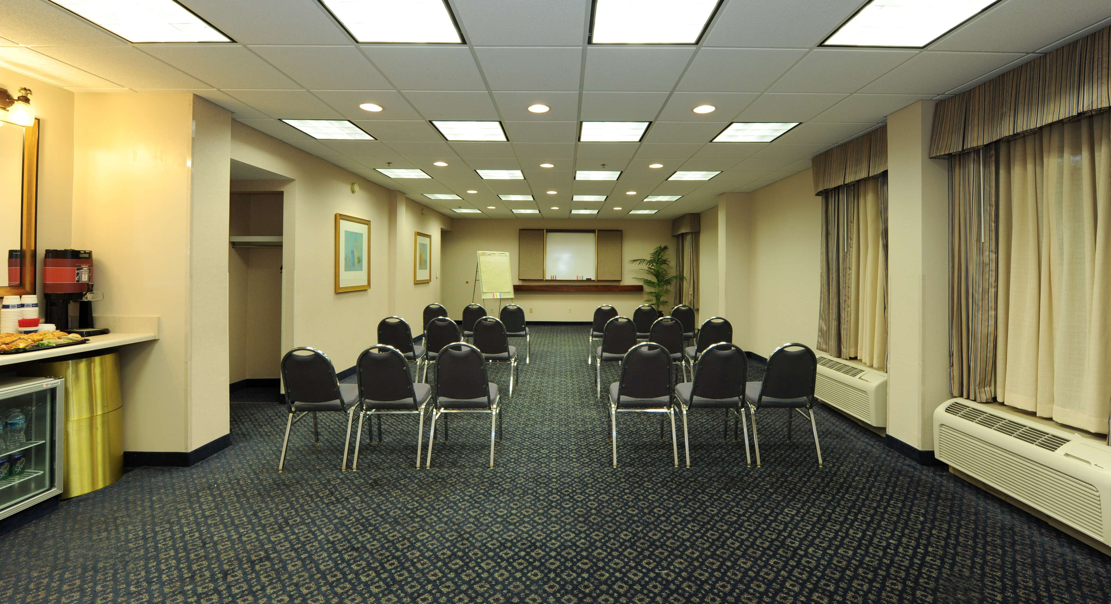 Hampton Inn Atlanta-Southlake image 20