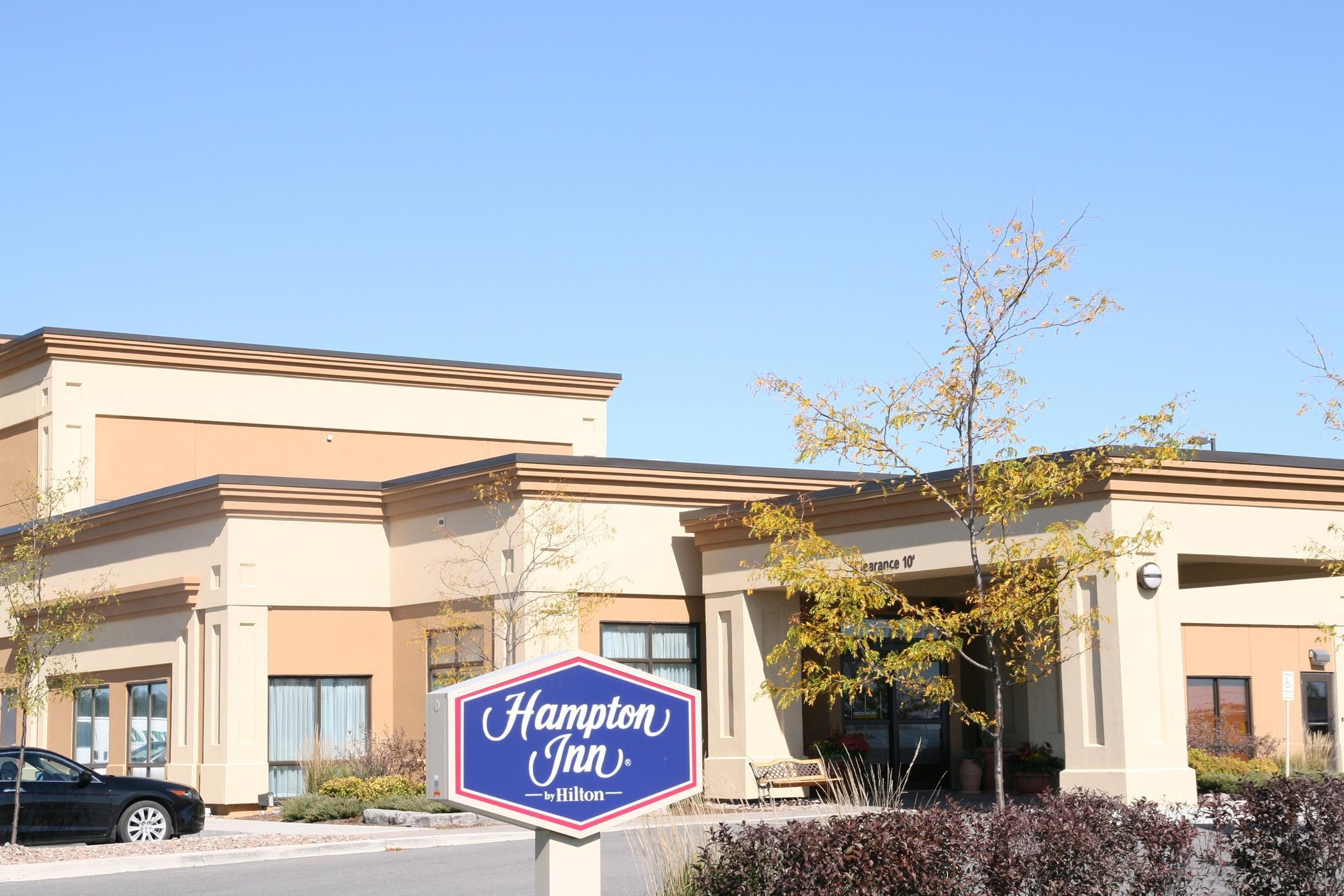 Hotels in greater napanee there are 10 results for your for Ontario motor inn ontario ca