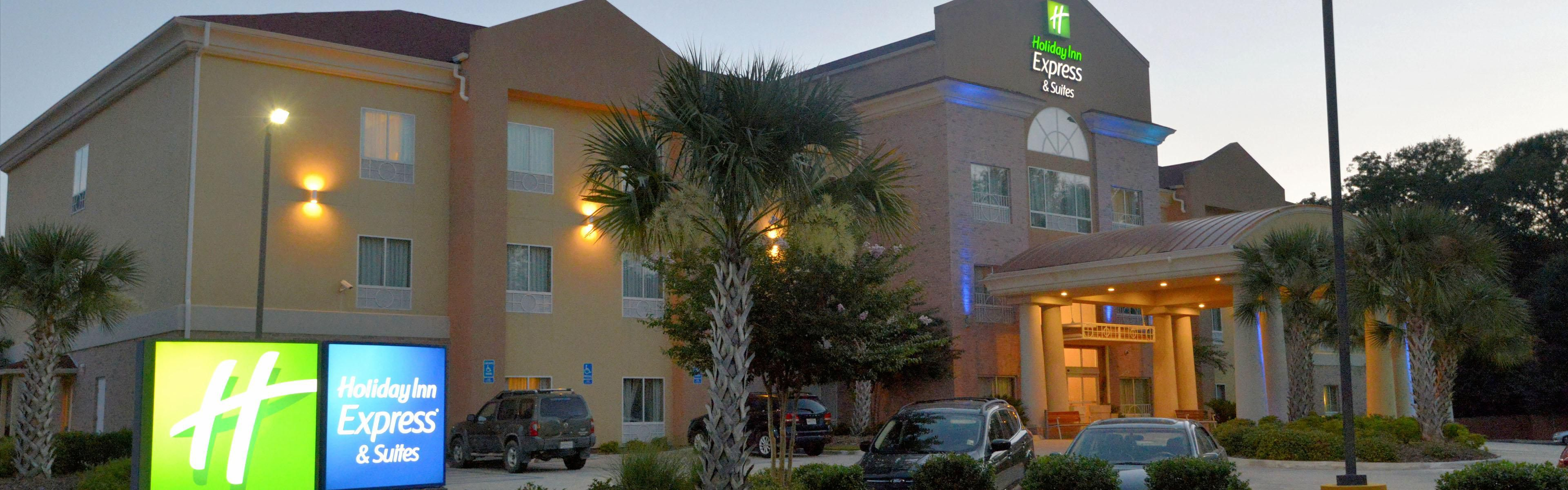 Holiday Inn Express & Suites Baton Rouge North image 0