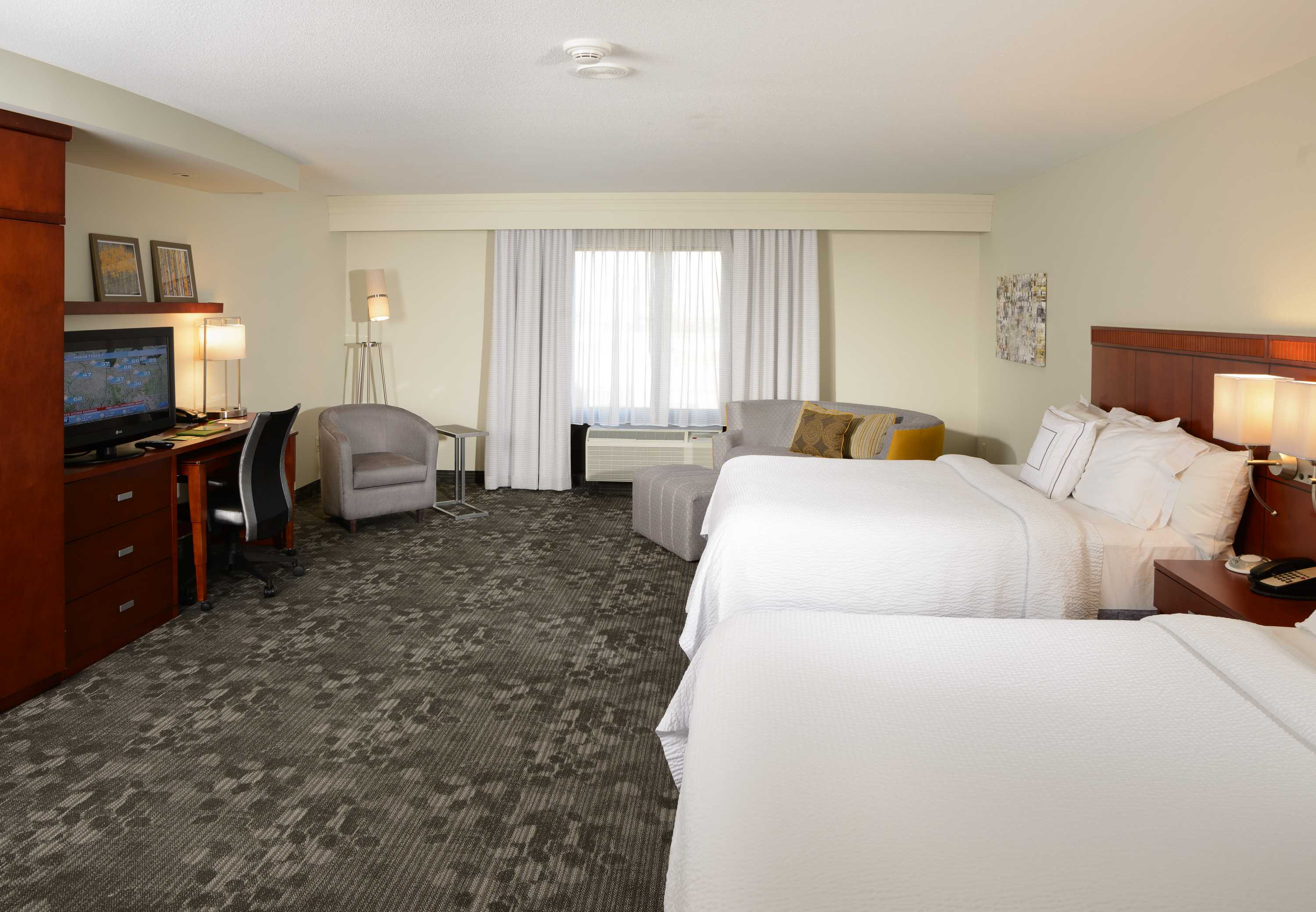 Courtyard by Marriott Wichita at Old Town image 2