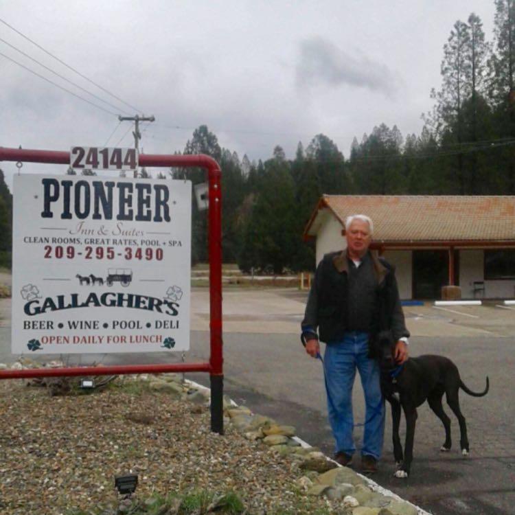 Pioneer Inn & Suites image 0
