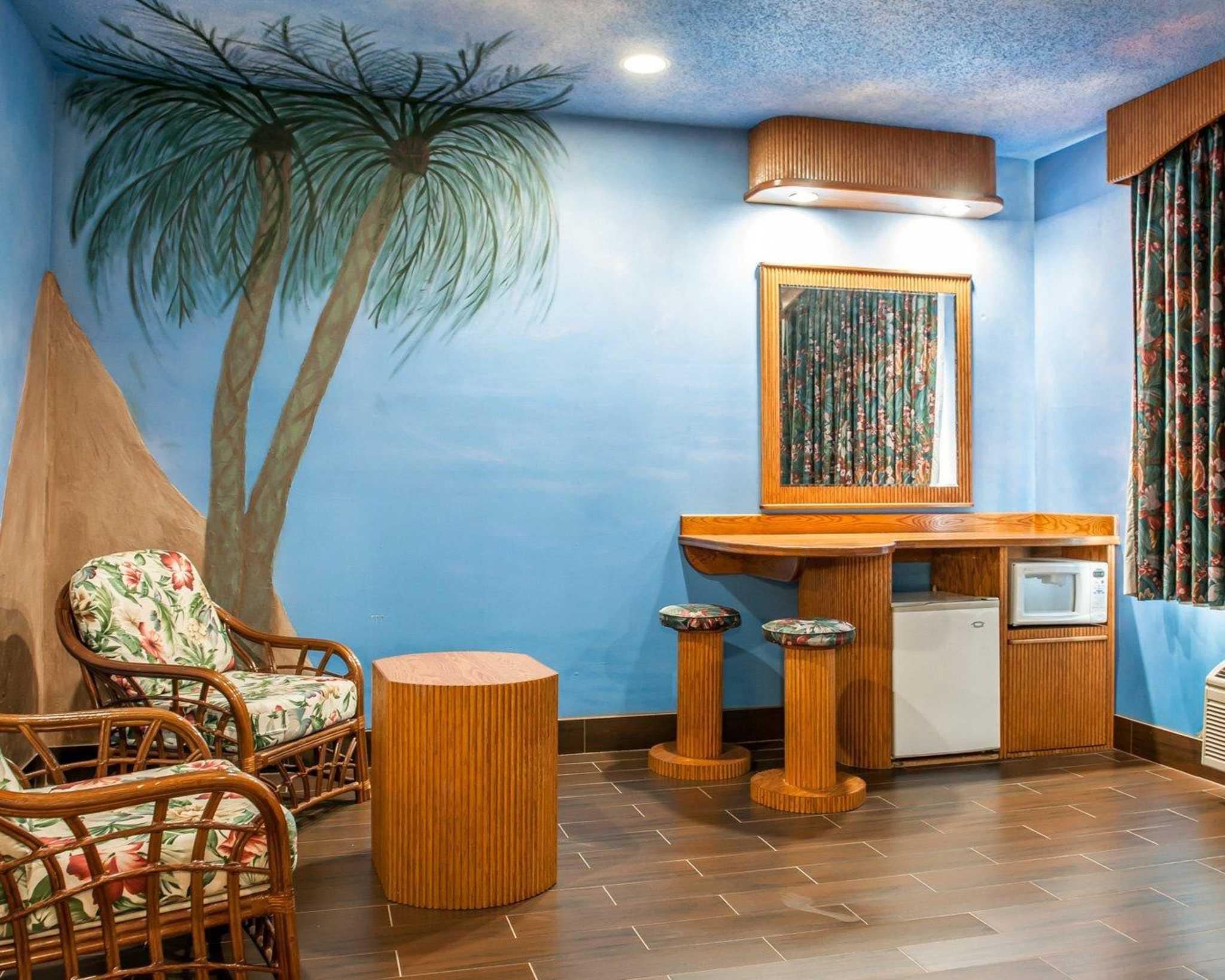 Comfort Suites North in Elkhart, IN, photo #35