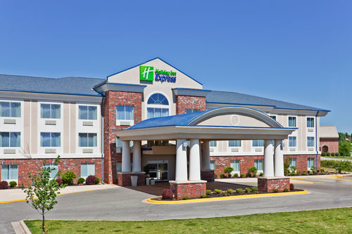 Holiday Inn Express & Suites Paragould image 2