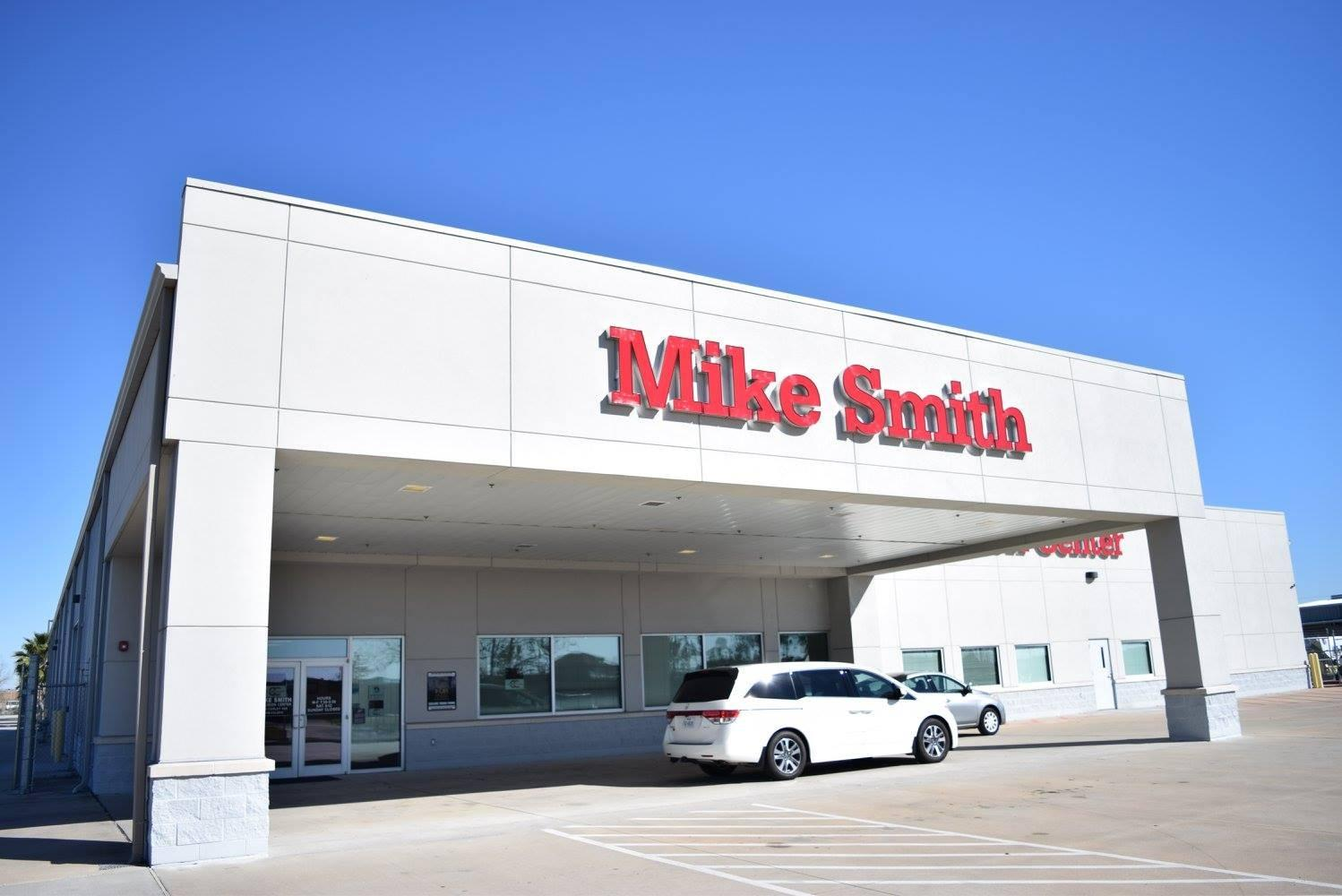 Mike Smith Collision Center image 1