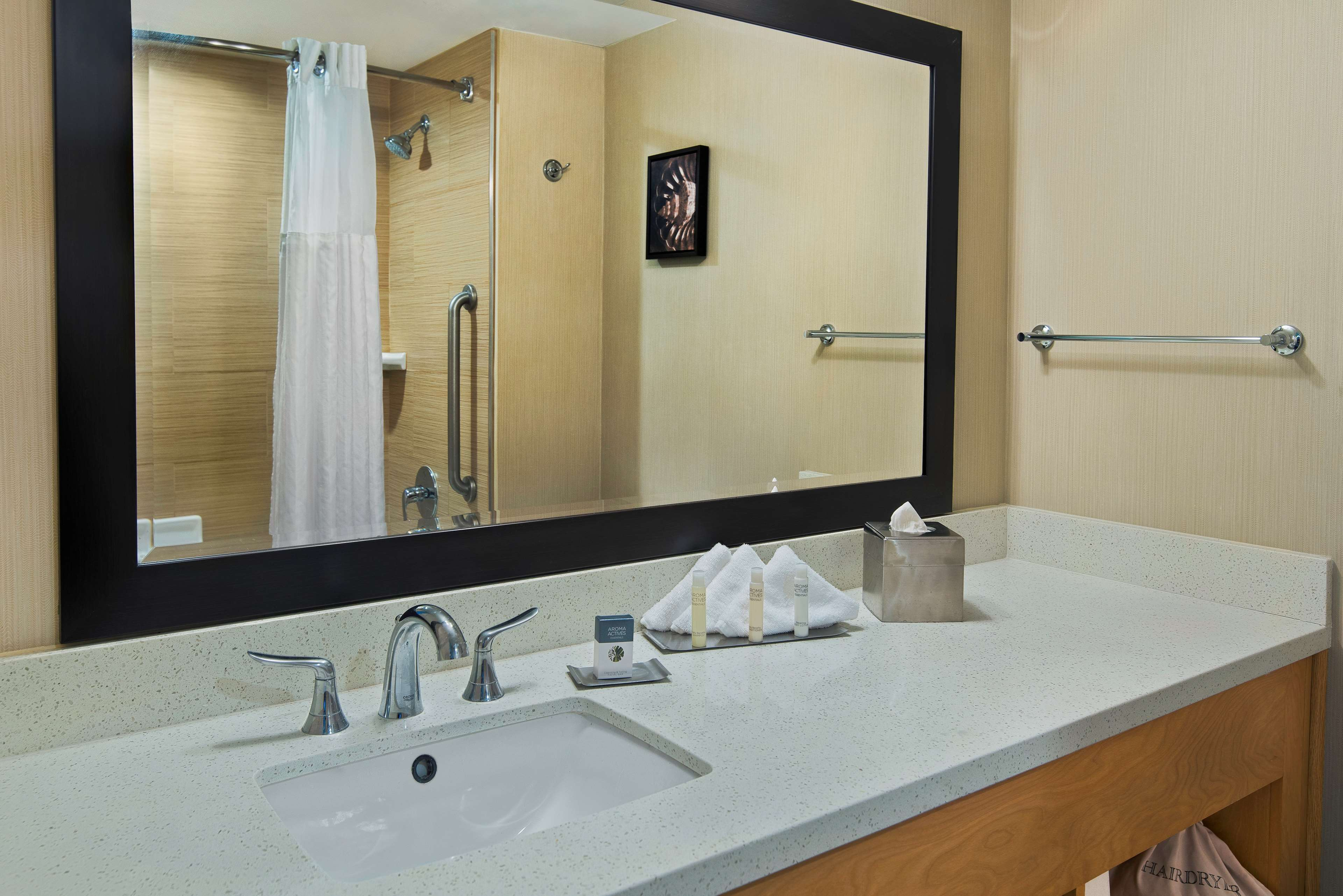 DoubleTree by Hilton Hotel San Pedro - Port of Los Angeles image 14
