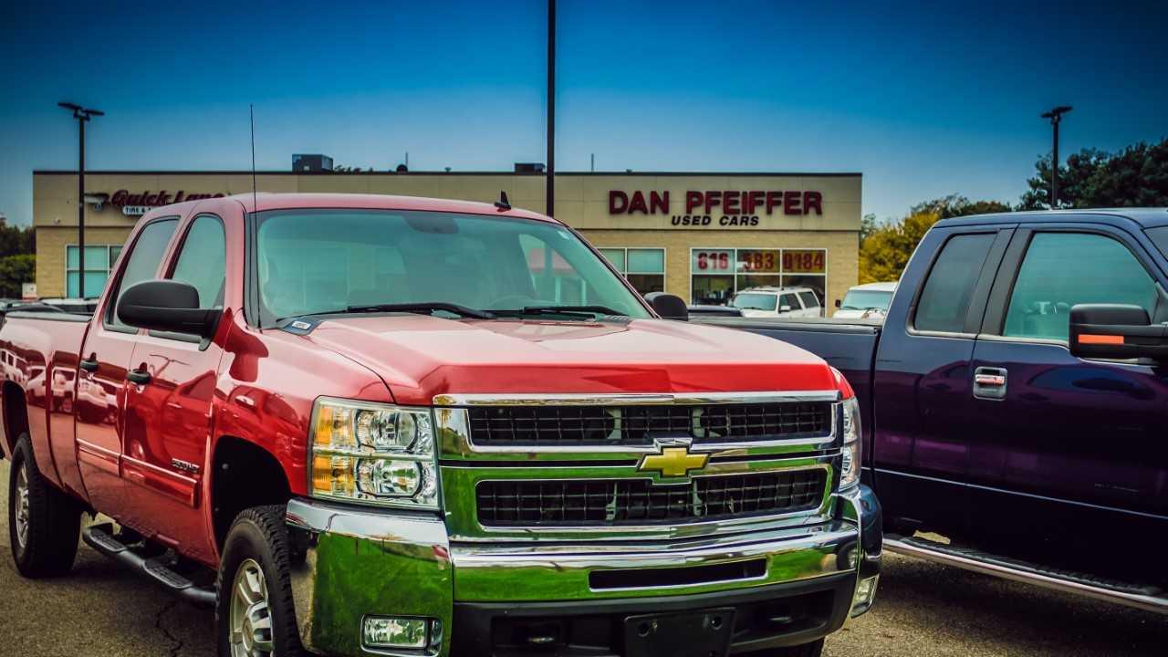 Dan Pfeiffer Used Cars & Quick Lane Tire & Auto Center image 4