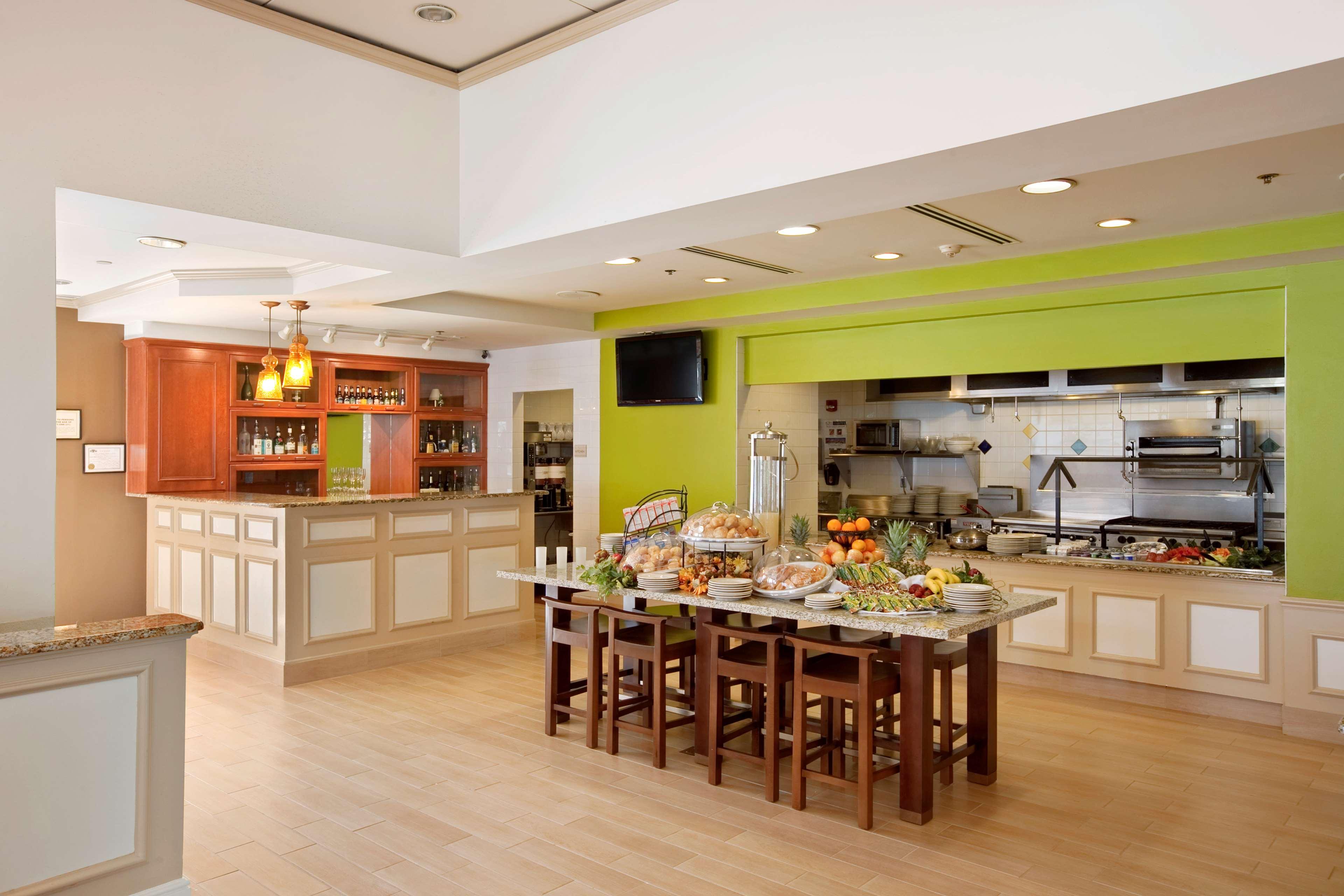 Hilton Garden Inn Hoffman Estates image 7