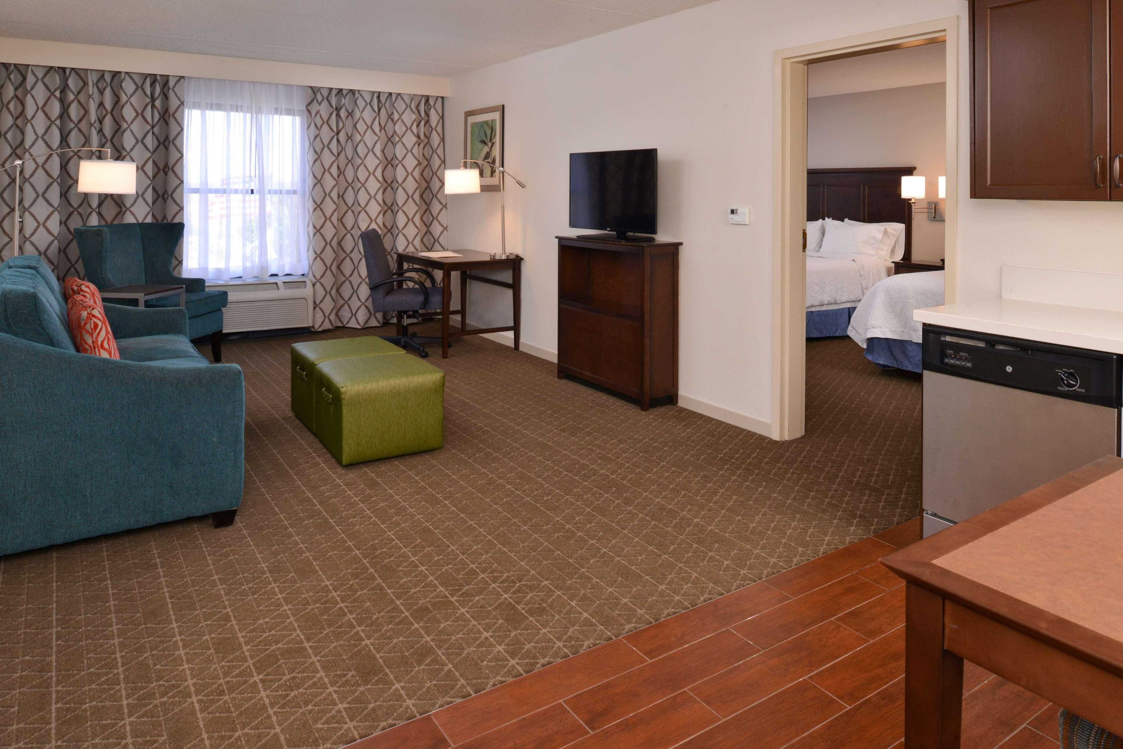 Hampton Inn & Suites Pueblo-Southgate image 30
