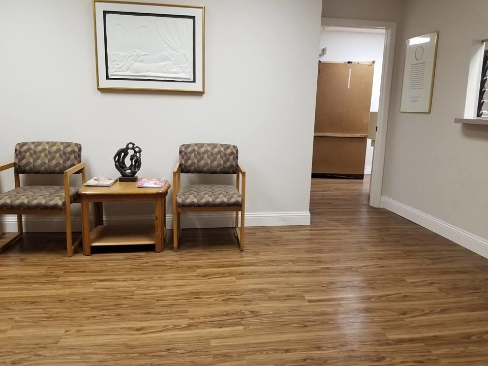 Cosmetique Cosmetic Surgery Center image 1