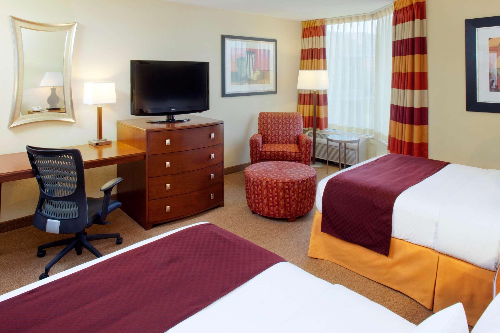 DoubleTree by Hilton Hotel Oak Ridge - Knoxville image 9