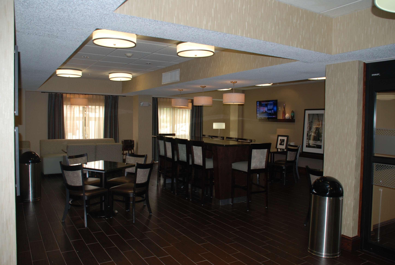 Hampton Inn Darien-I-95 image 2