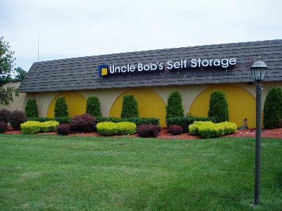 Uncle Bob's Self Storage - ad image