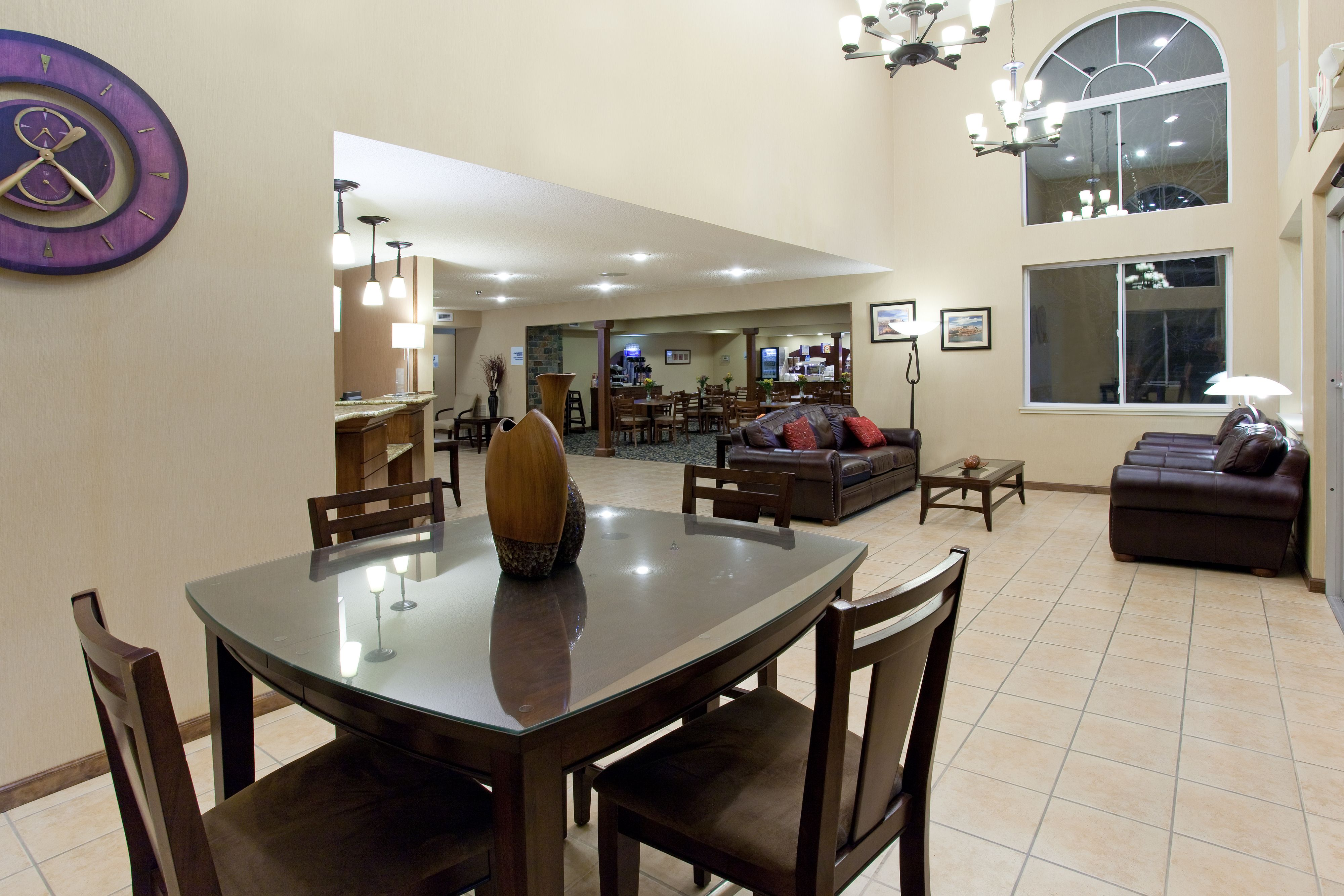Holiday Inn Express & Suites Scottsbluff-Gering image 4