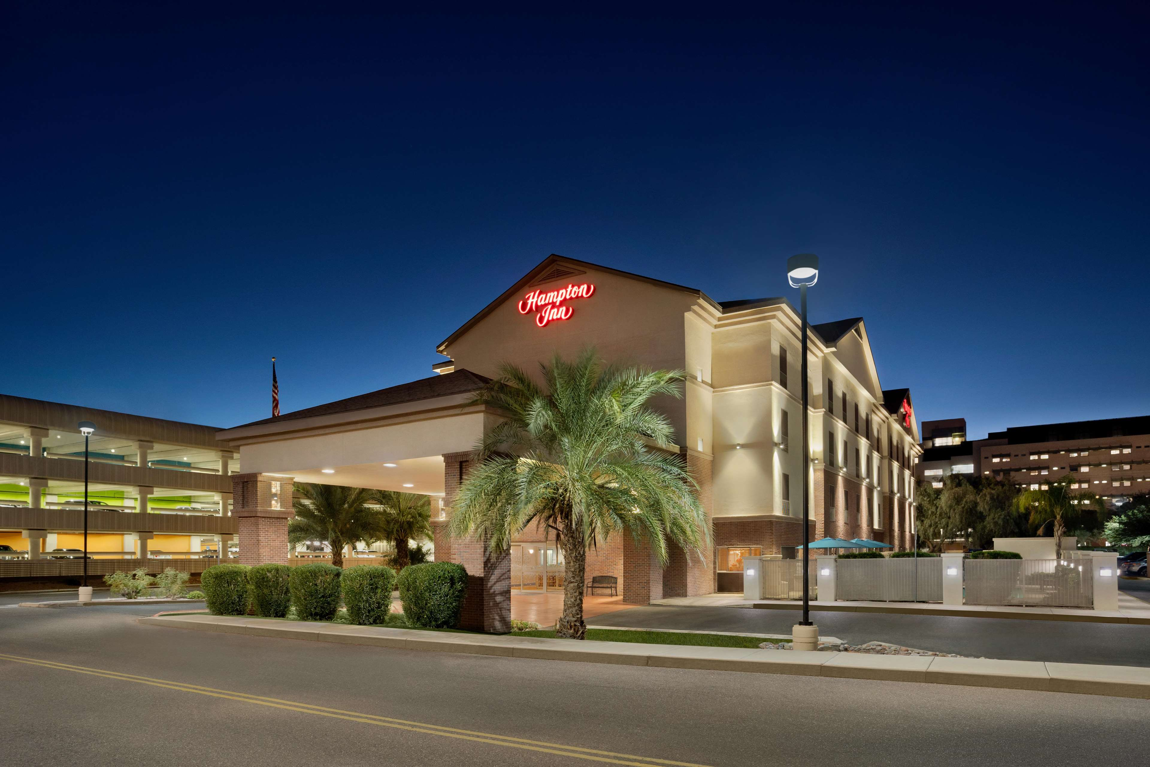 Hampton Inn Phoenix-Midtown-Downtown Area image 0