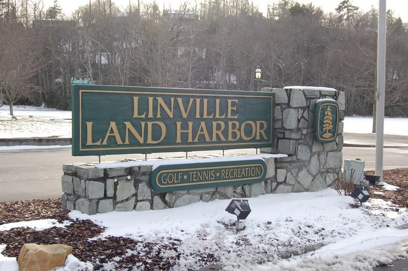 Located in the North Carolina mountains, Linville Land Harbor is convenient to Sugar Mountain Ski Slopes; Beech Mountain Skiing and Appalachian Ski Mountain.  Come see what we have to offer!