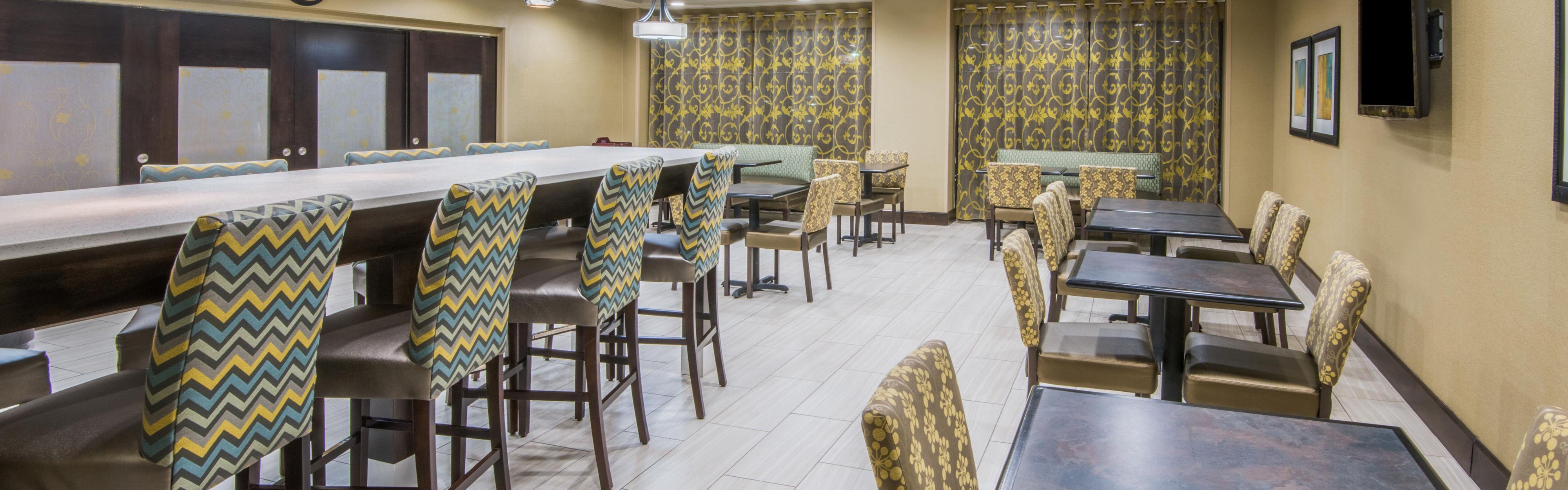 Holiday Inn Express & Suites Ashland image 3
