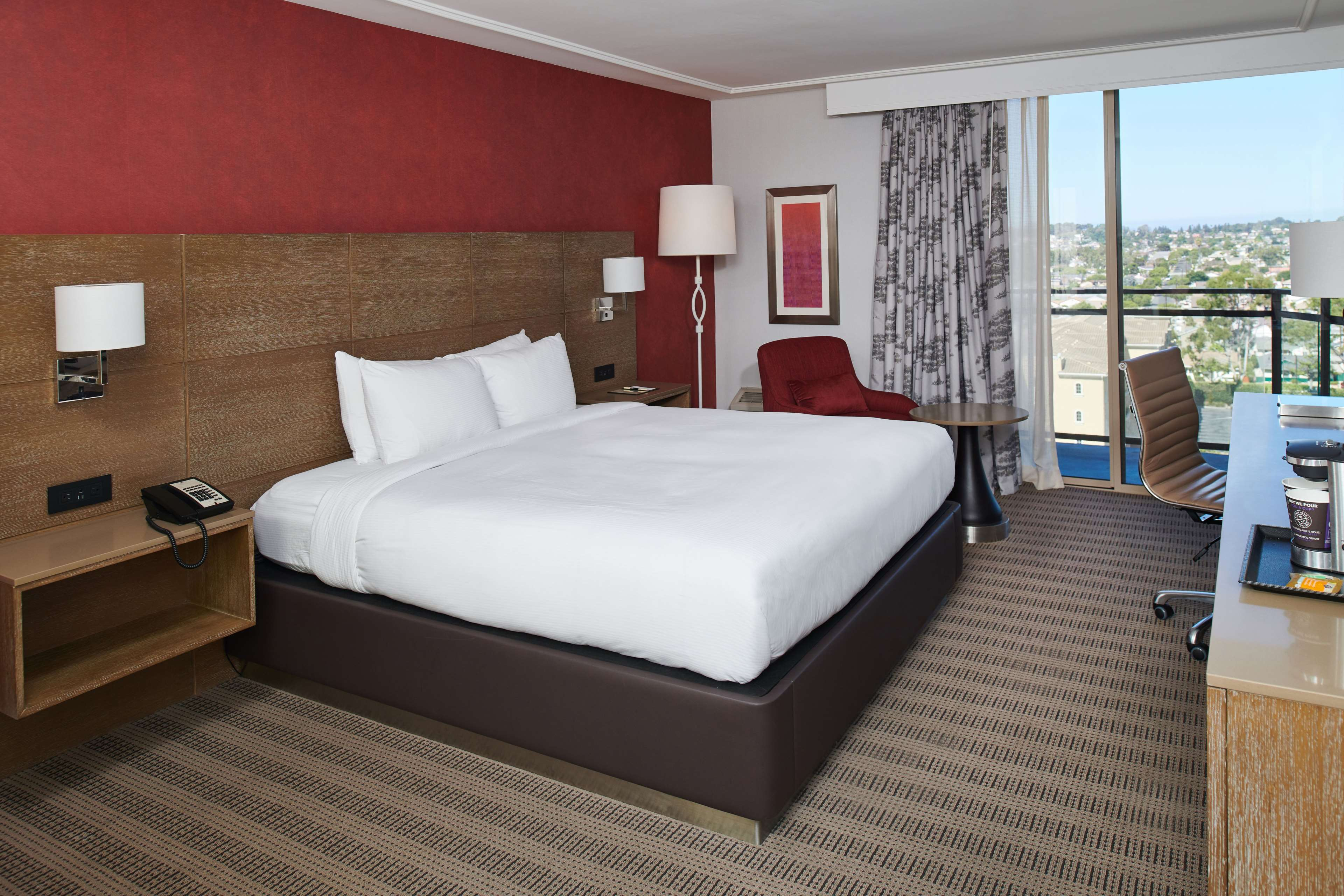 DoubleTree by Hilton Hotel Torrance - South Bay image 25