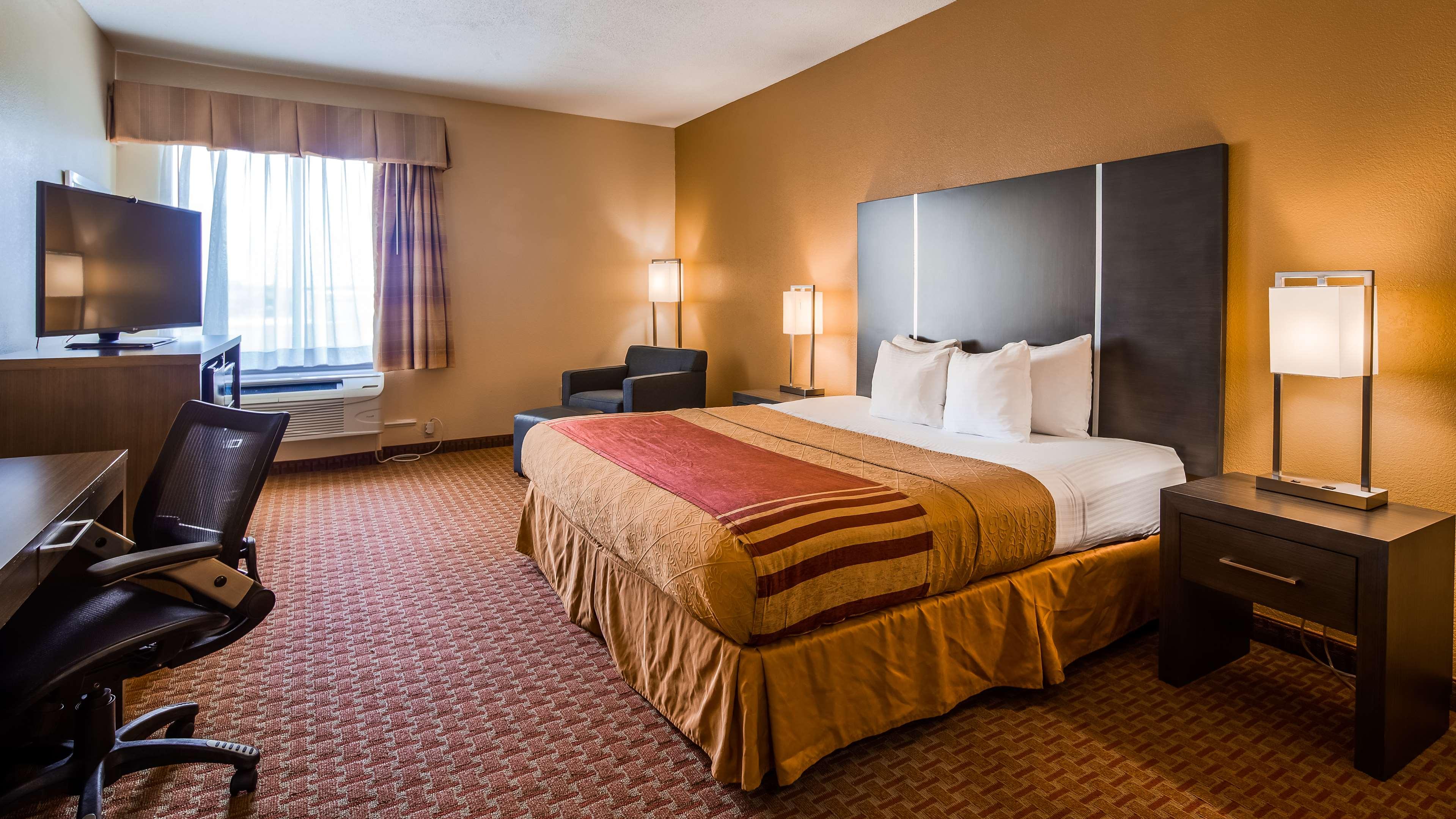 Best Western Plus North Houston Inn & Suites image 13