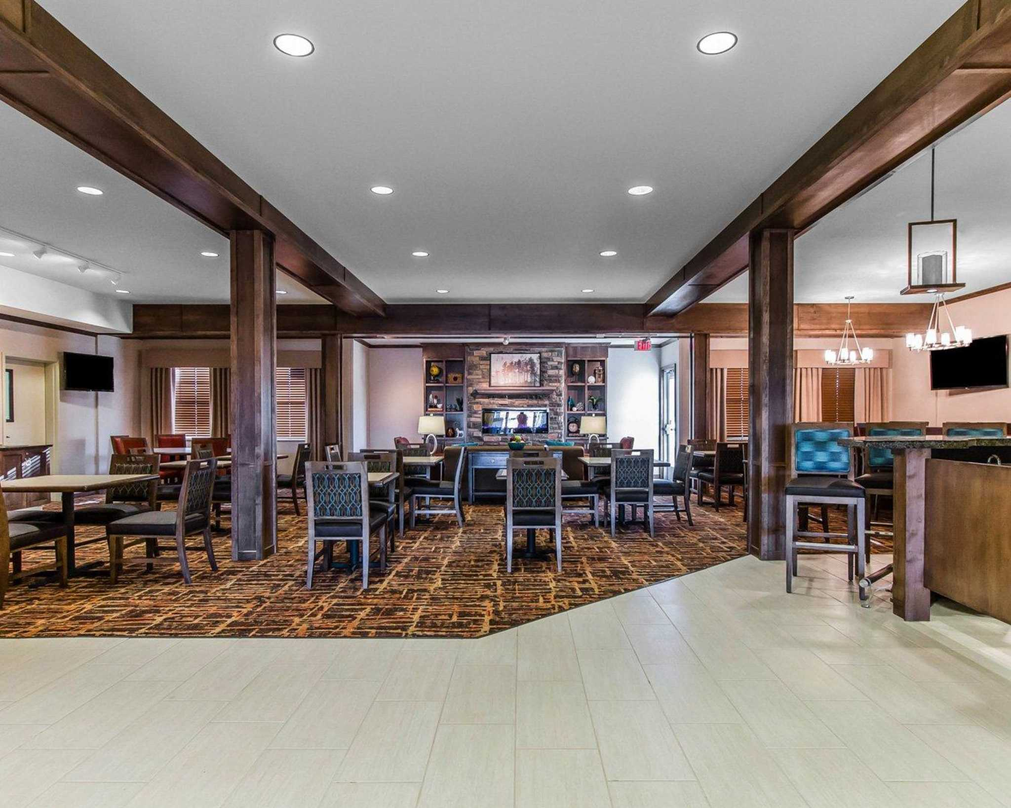 MainStay Suites Event Center image 9