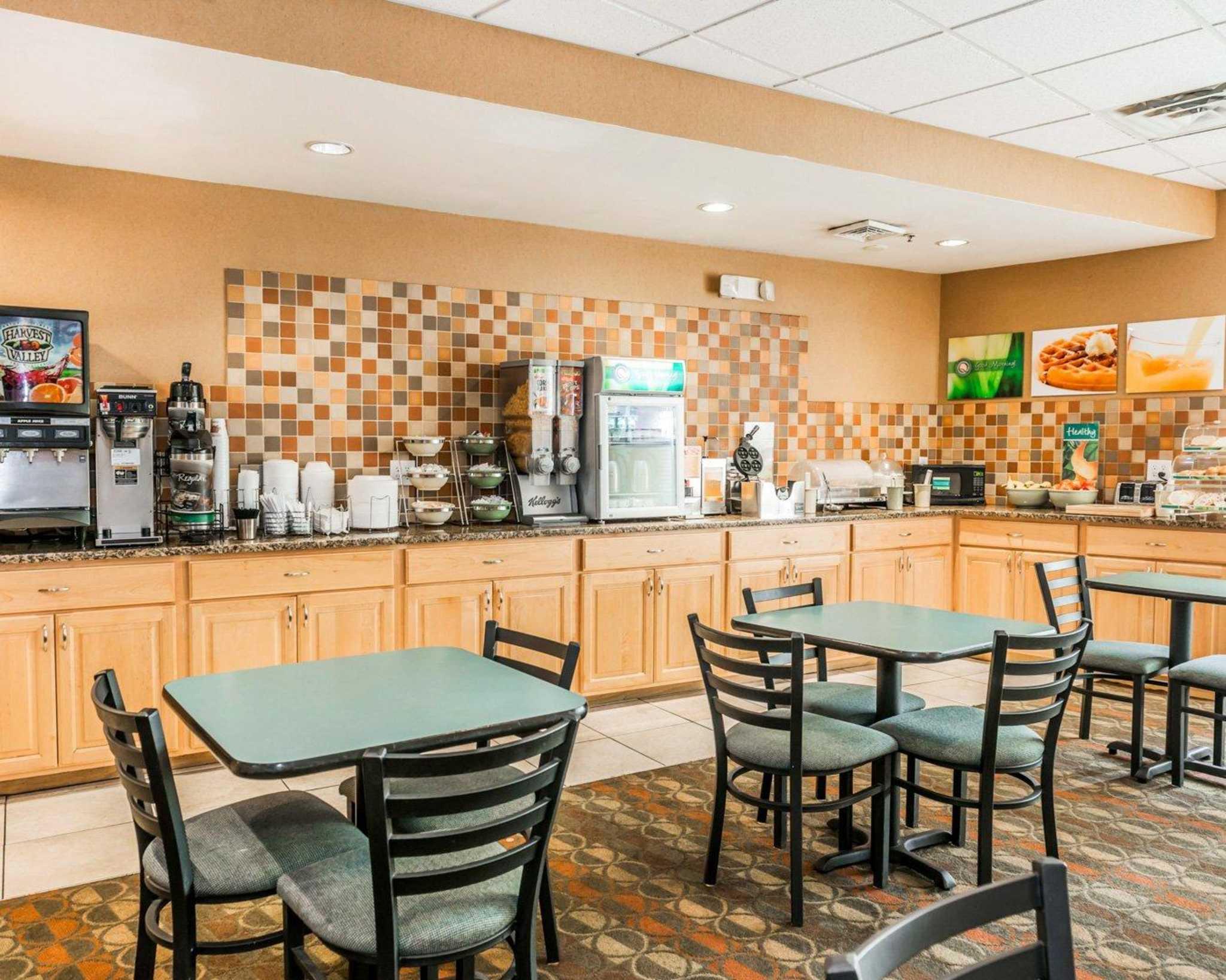 Quality Inn East image 21