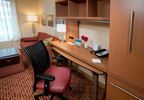 TownePlace Suites by Marriott Fort Wayne North image 3