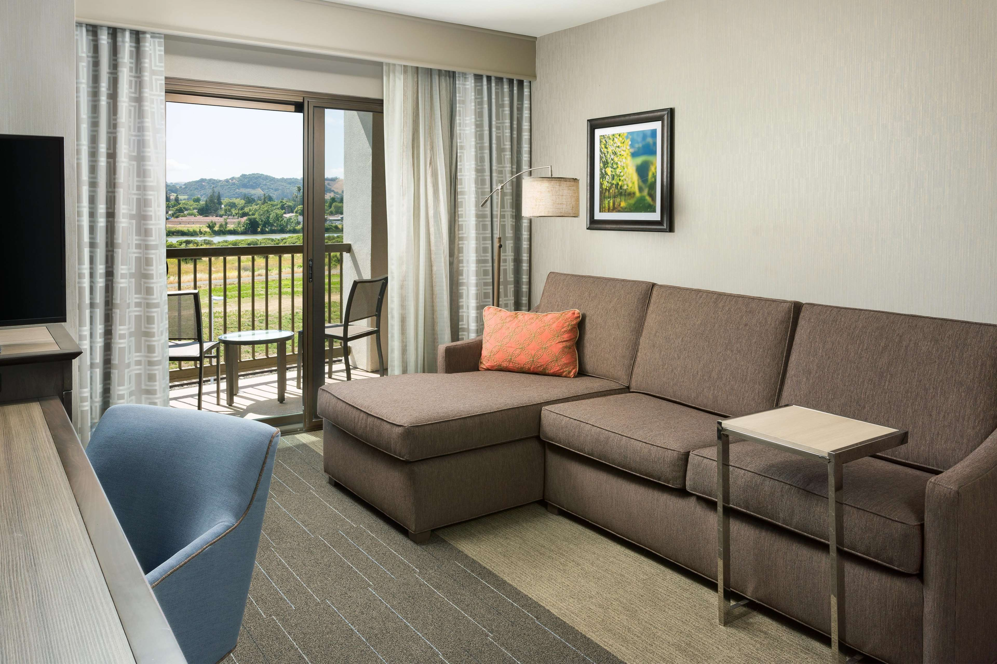 Hampton Inn & Suites Napa image 7
