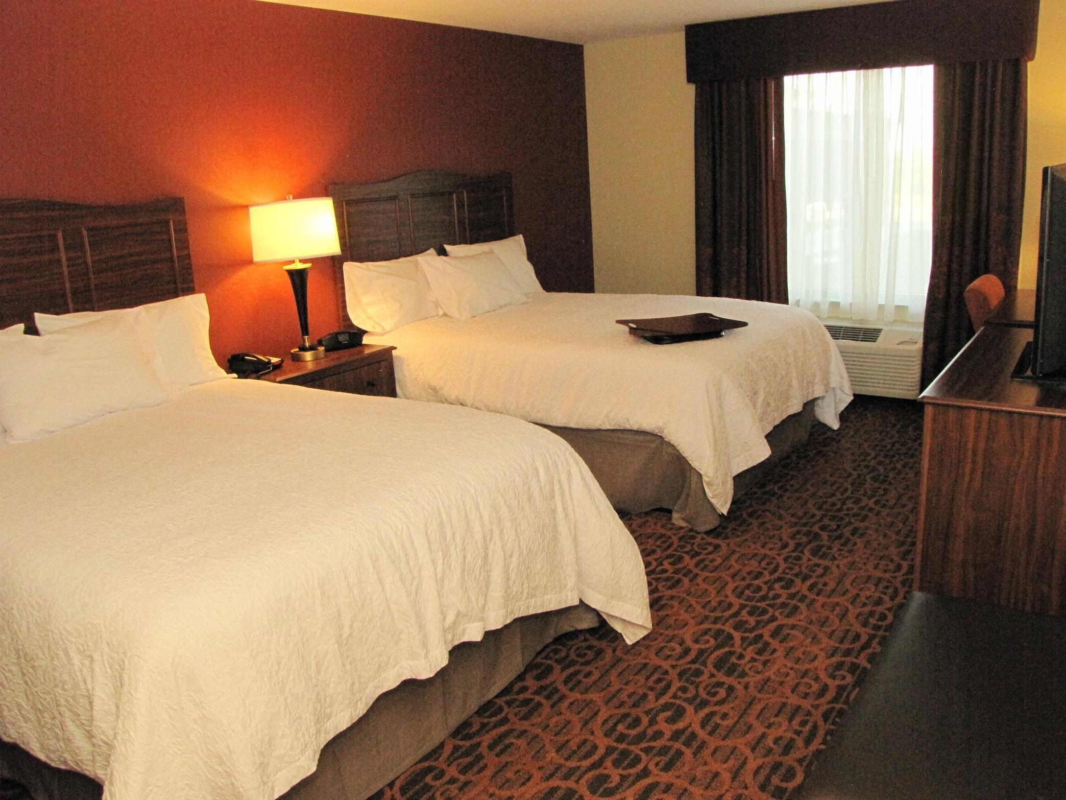 Hampton Inn & Suites Jamestown, ND image 4