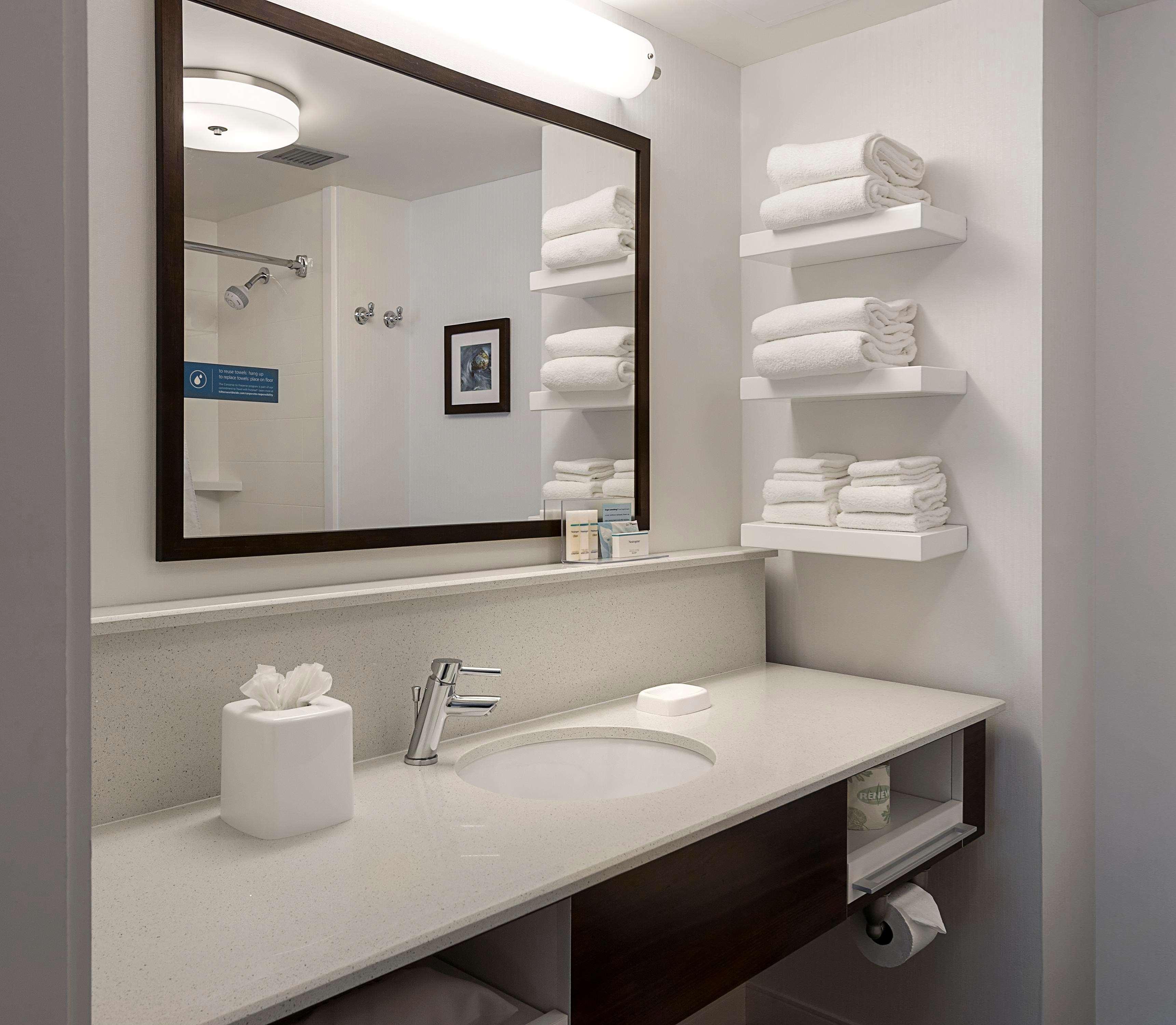 Hampton Inn & Suites Charlotte/Pineville image 6