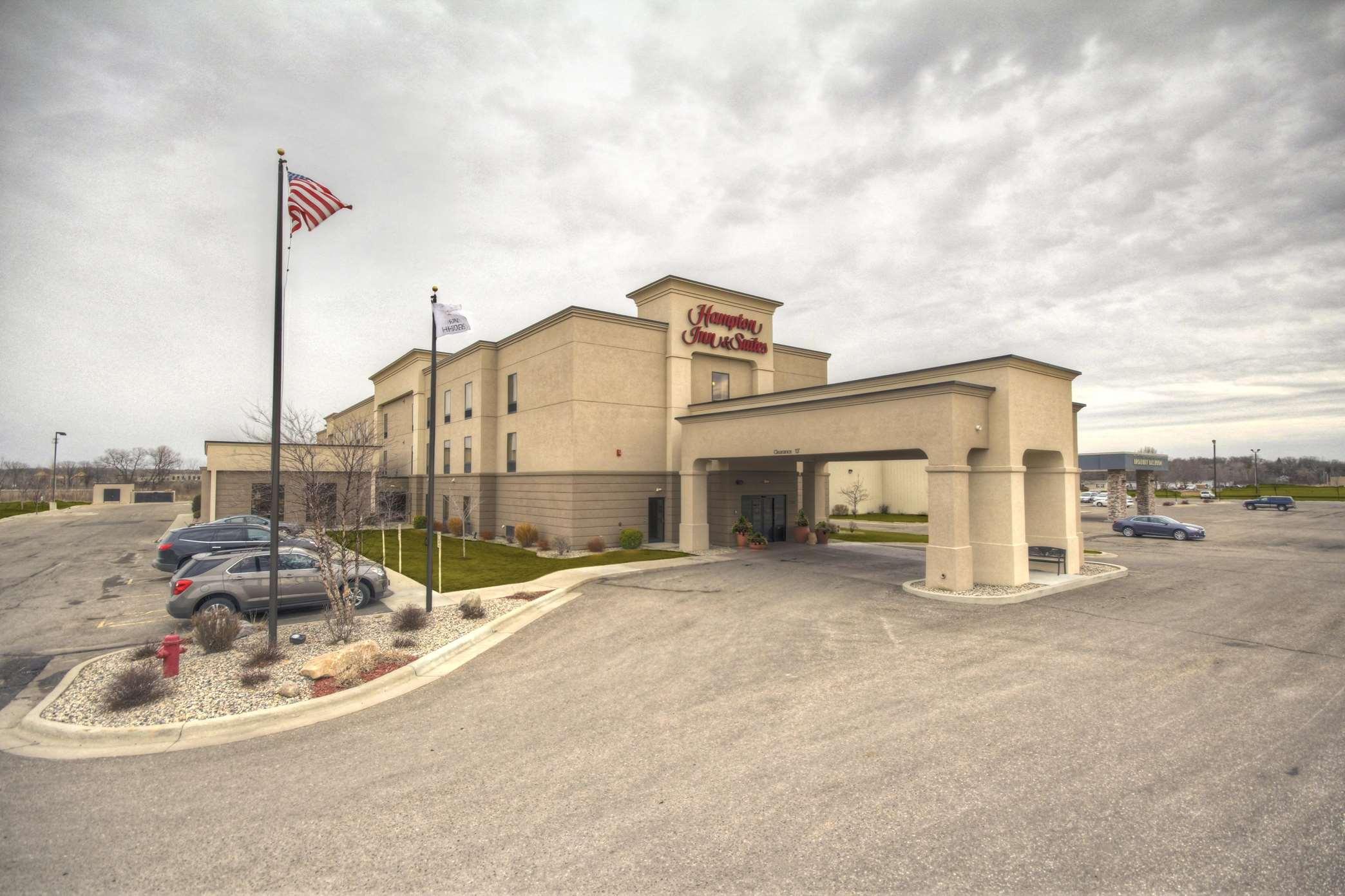 Hampton Inn & Suites Alexandria image 35