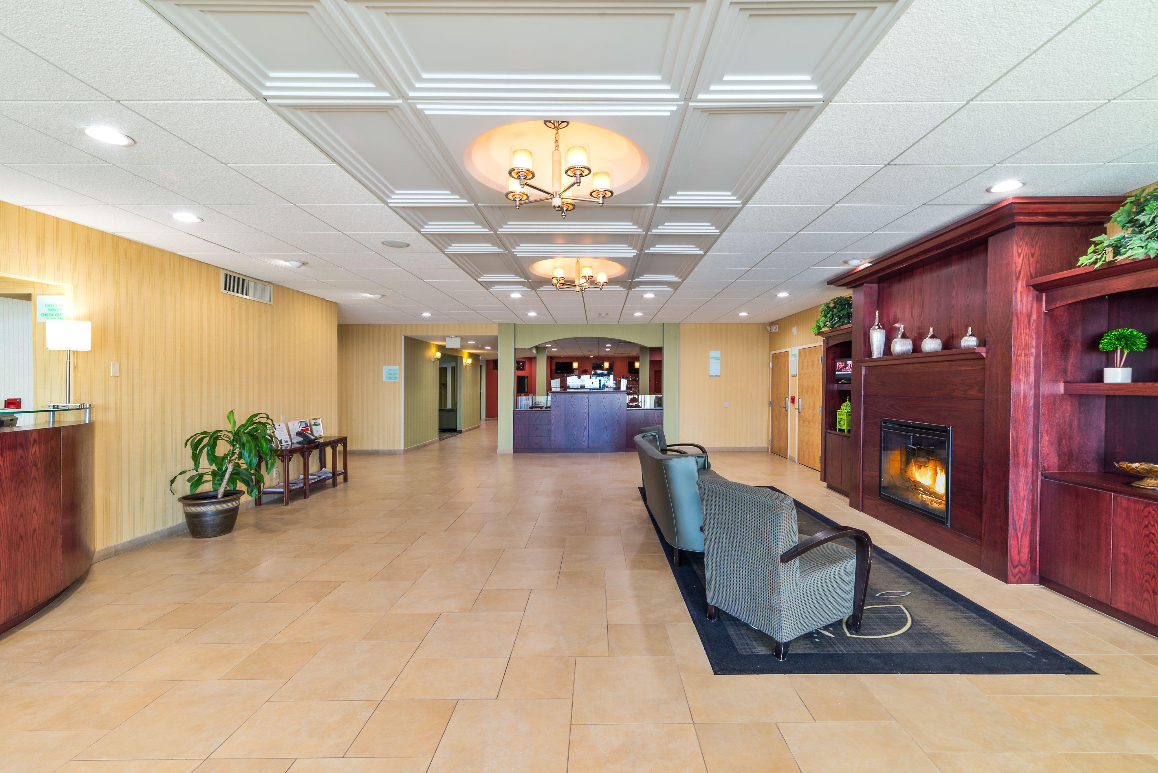 Holiday Inn Plattsburgh (Adirondack Area) image 4