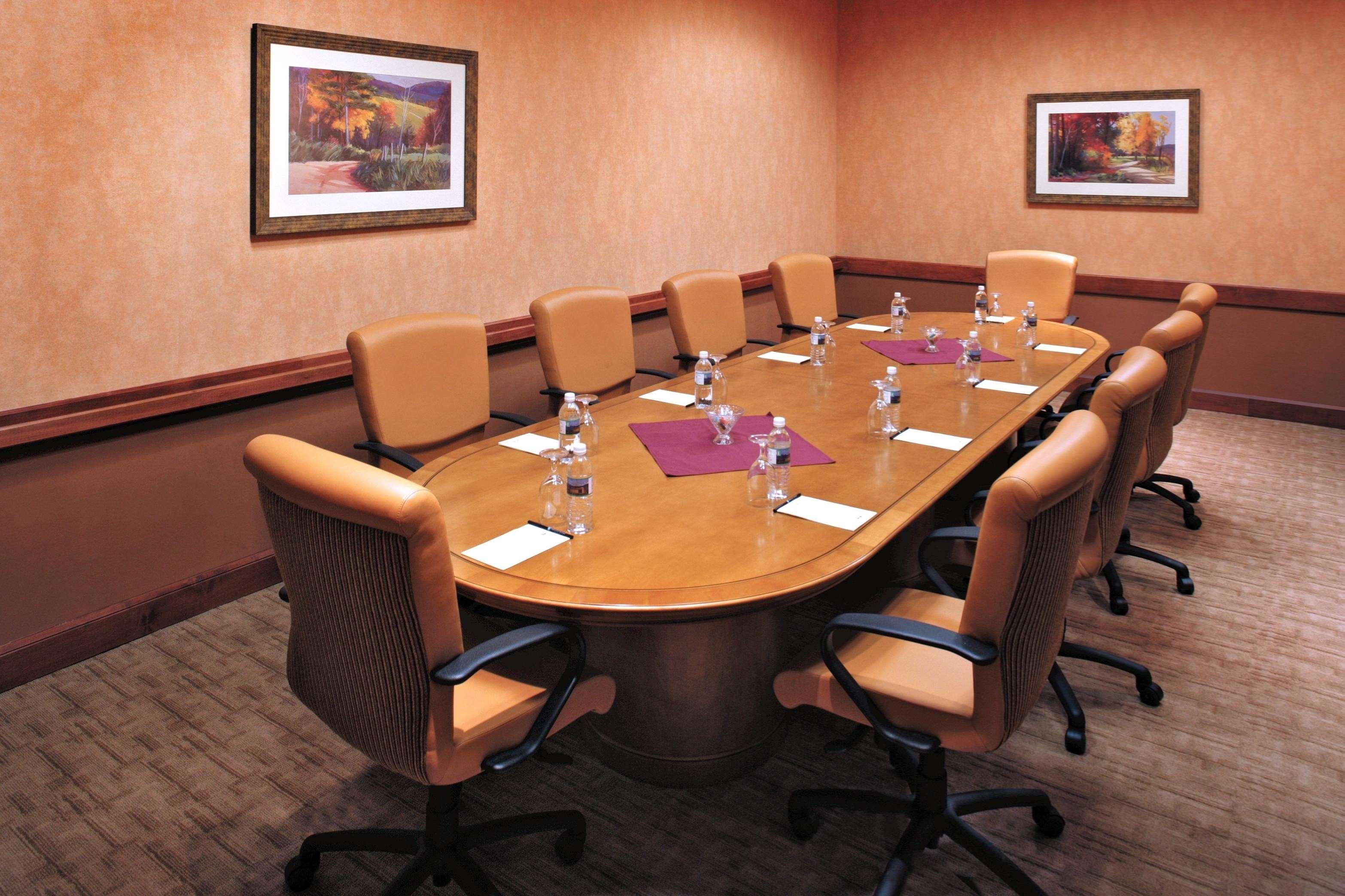 Embassy Suites by Hilton Albuquerque Hotel & Spa image 4