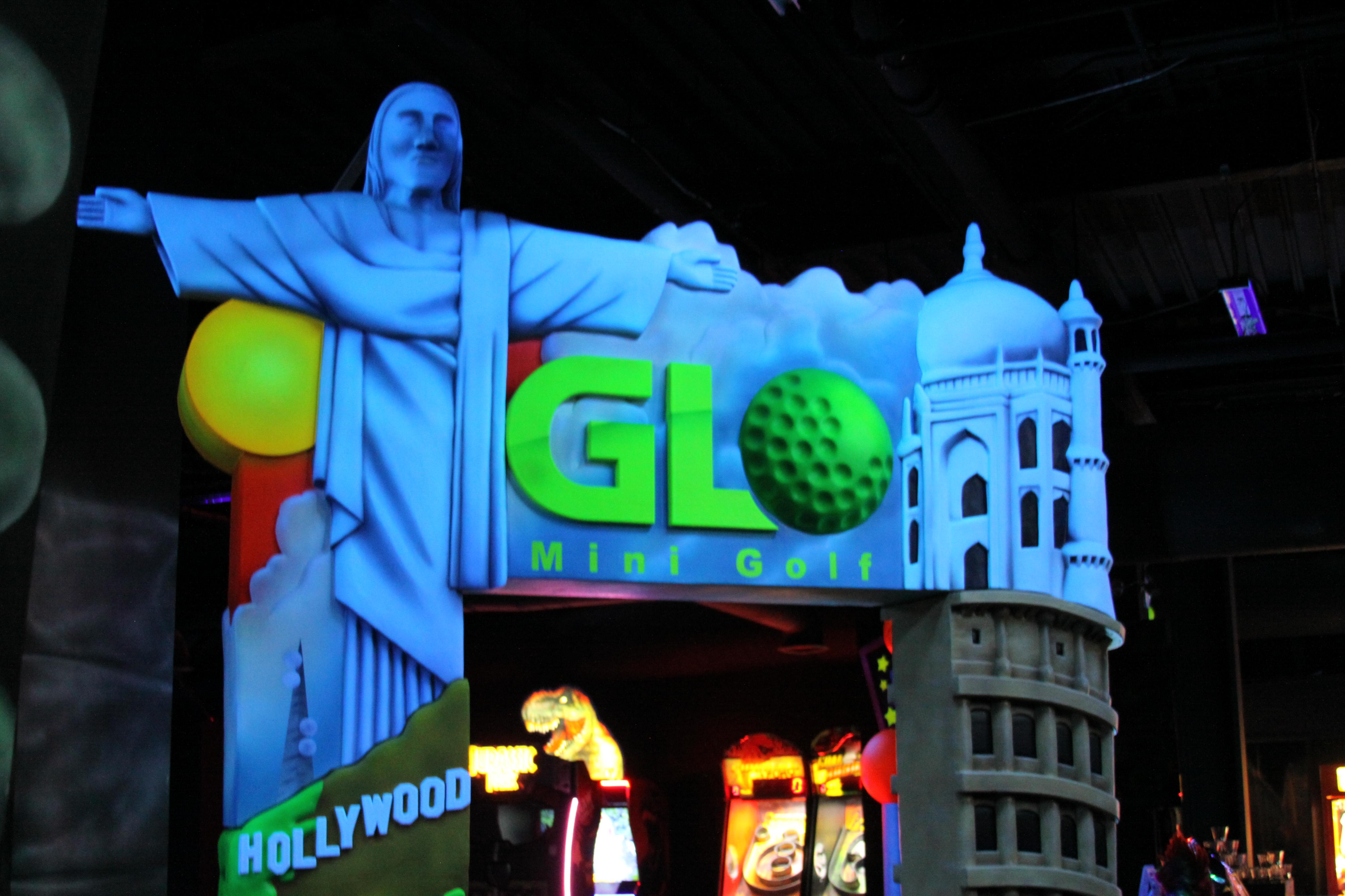 GLO Mini Golf |Arcade | Virtual Reality | Ice Cream Bar image 0