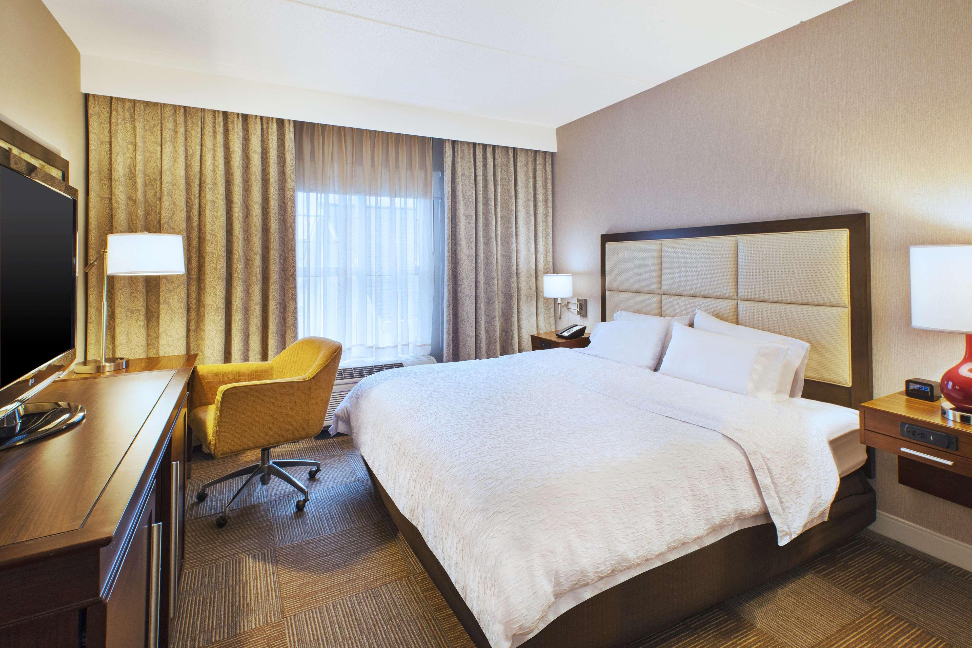 Hampton Inn & Suites Providence/Warwick-Airport image 45