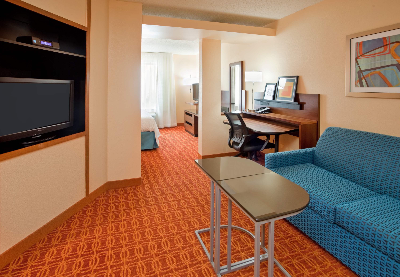 Fairfield Inn & Suites by Marriott Austin South image 4