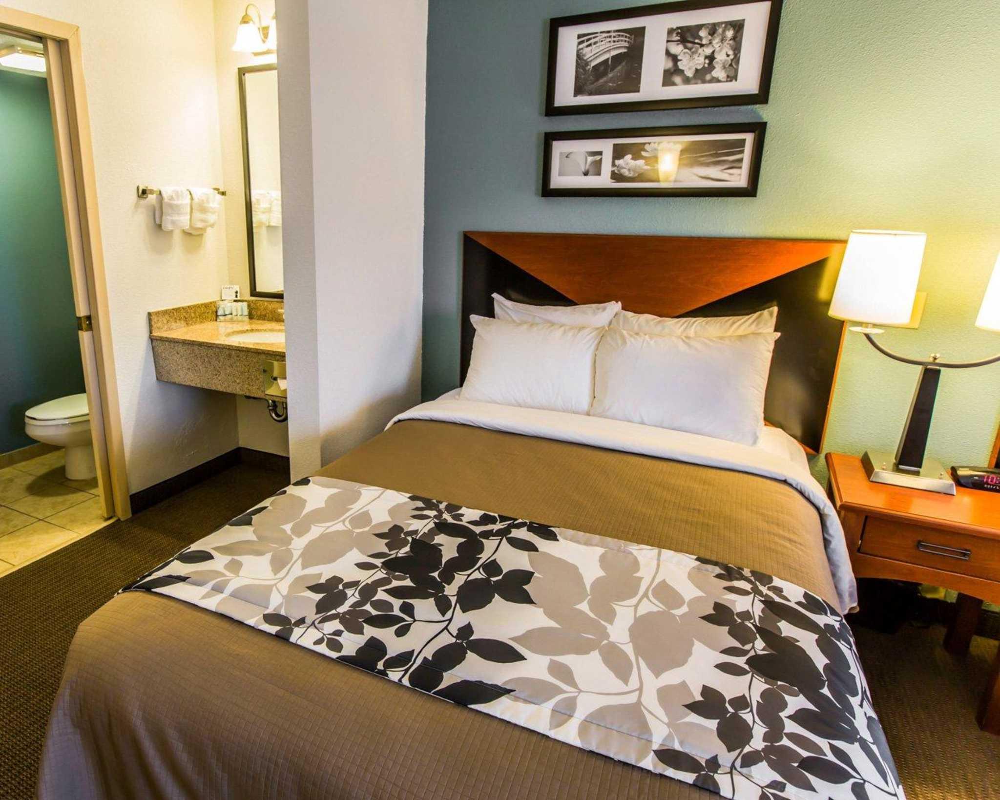 Sleep Inn image 6