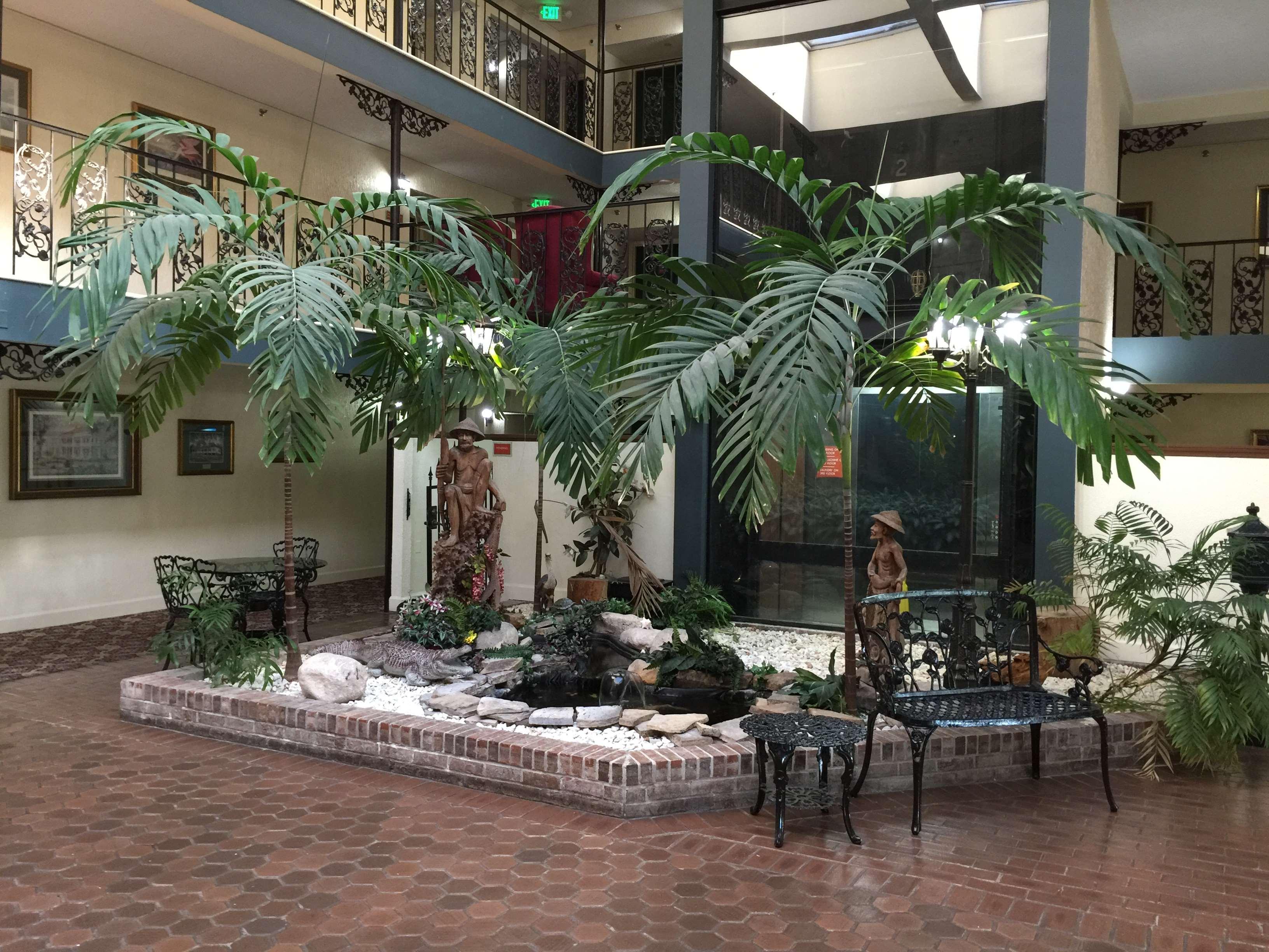 SureStay Plus Hotel by Best Western Baton Rouge image 3