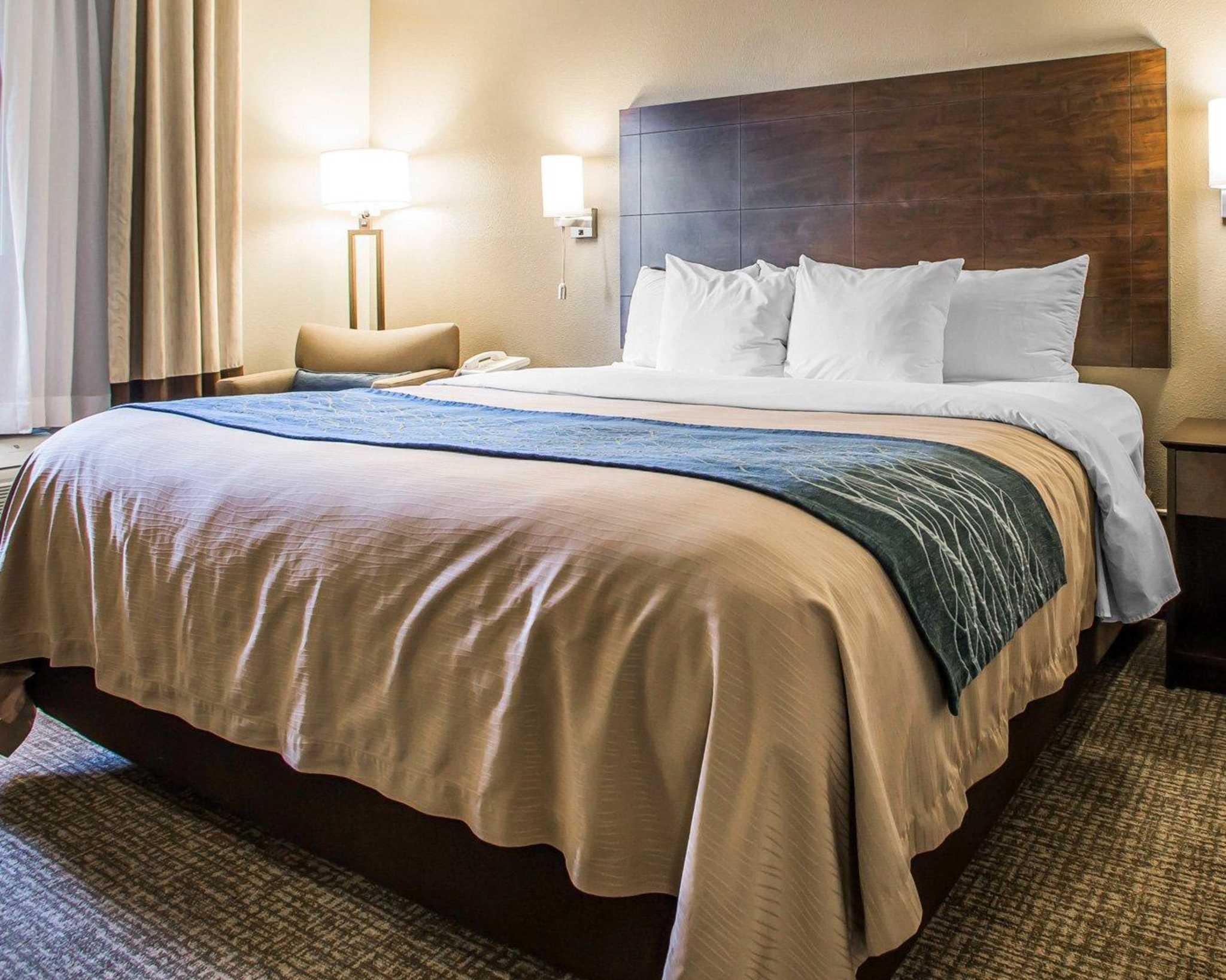 Comfort Inn & Suites Waterloo – Cedar Falls image 3