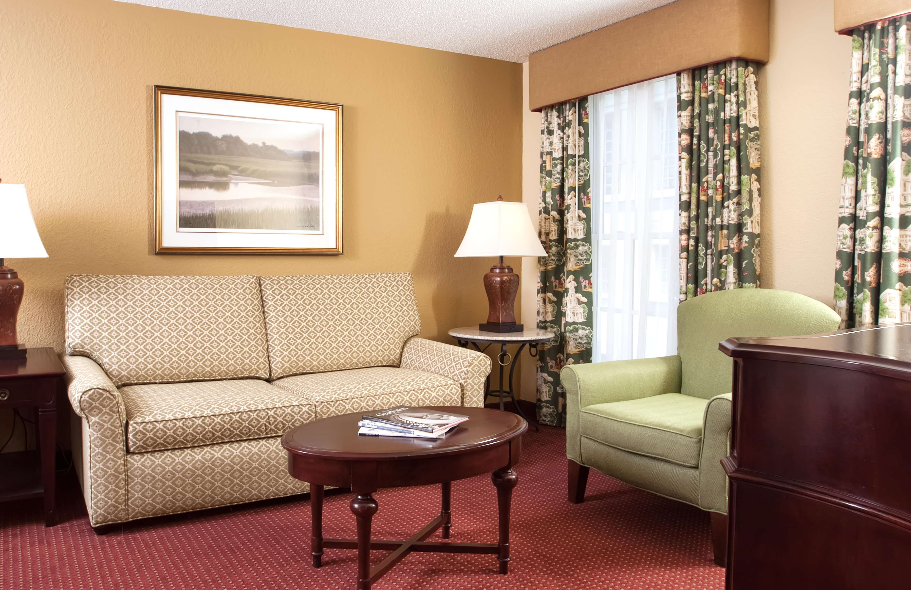 DoubleTree by Hilton Hotel & Suites Charleston - Historic District image 27