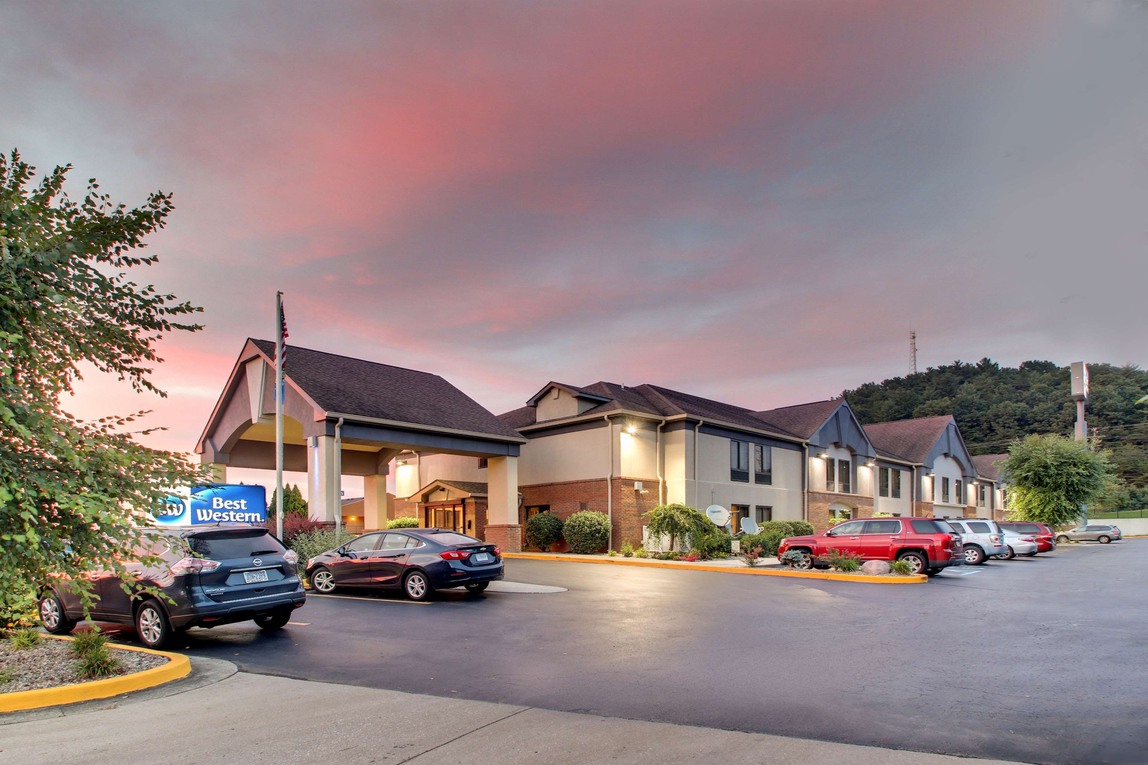 Best Western Eagles Inn image 0
