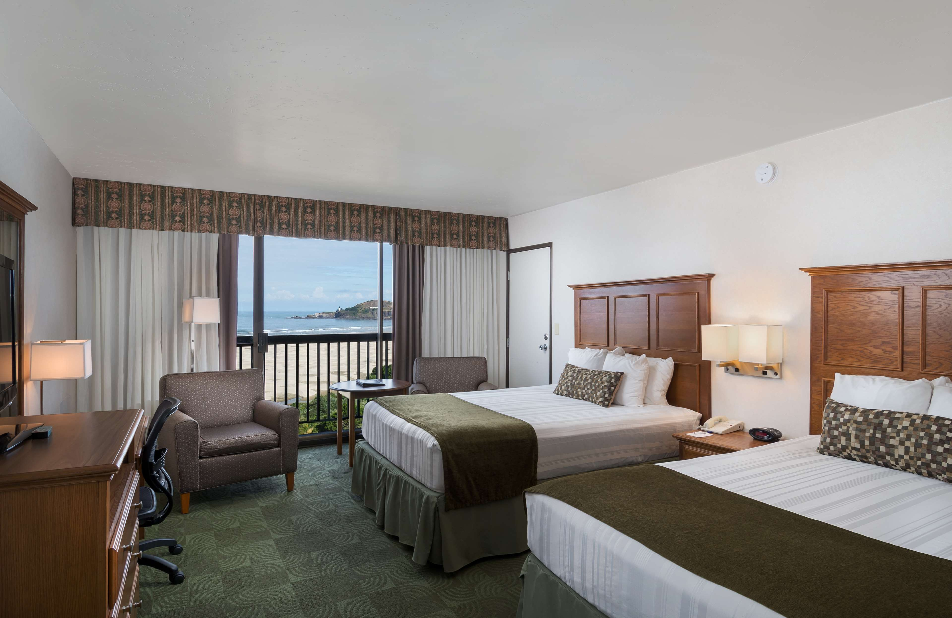 Best Western Agate Beach Inn image 4