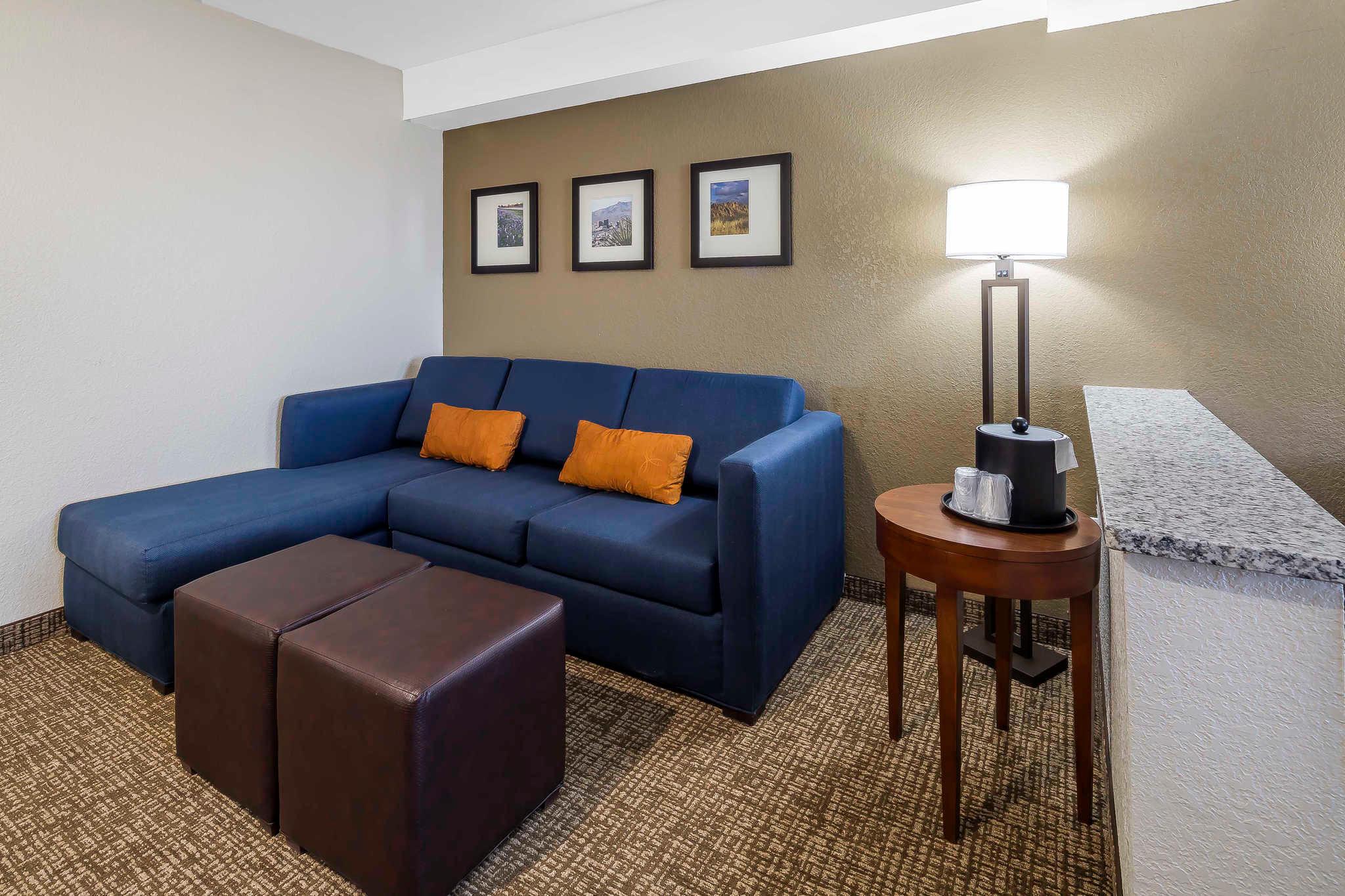 Comfort Suites El Paso Airport image 17