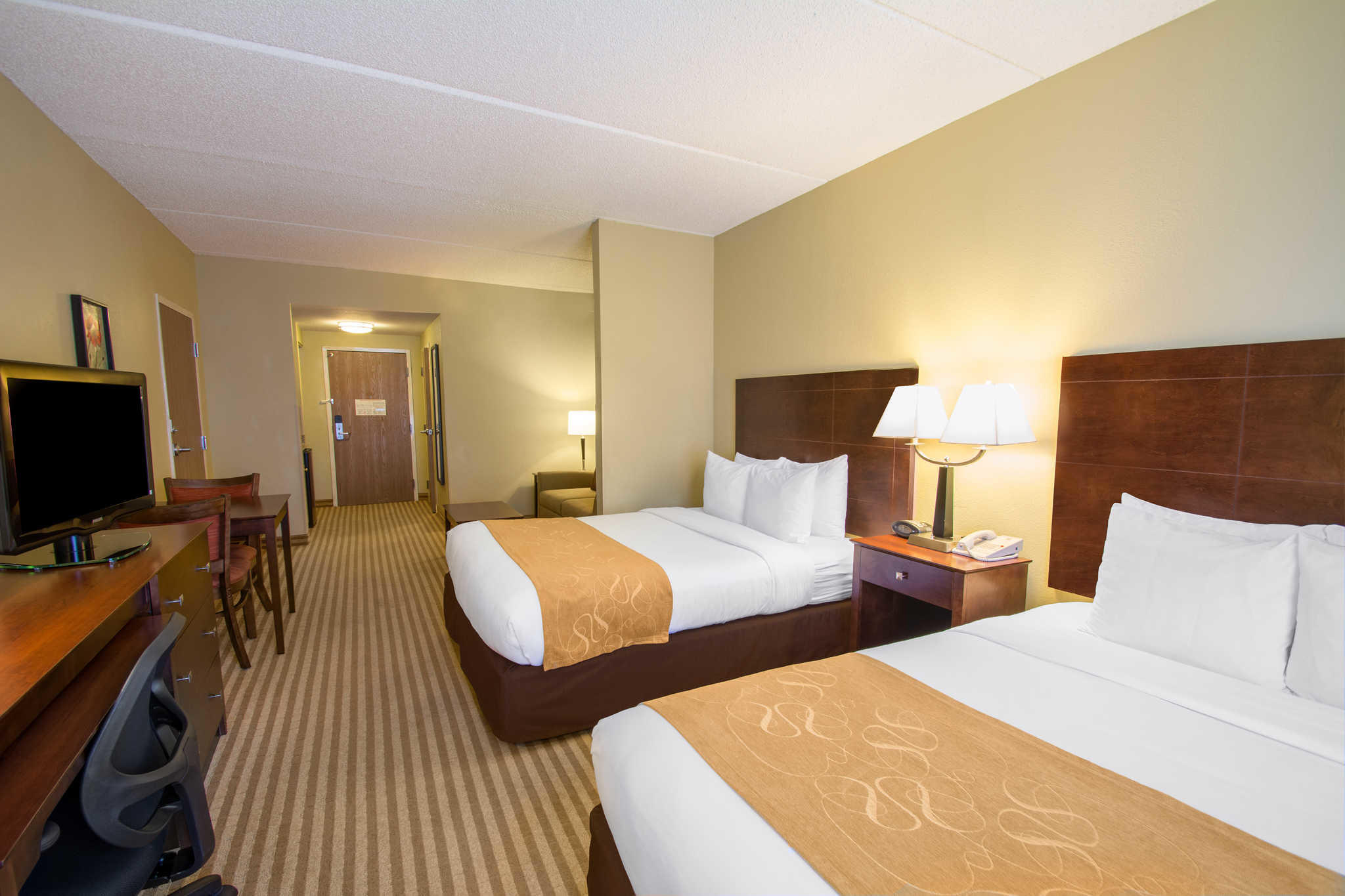 Comfort Suites Near Universal Orlando Resort image 9