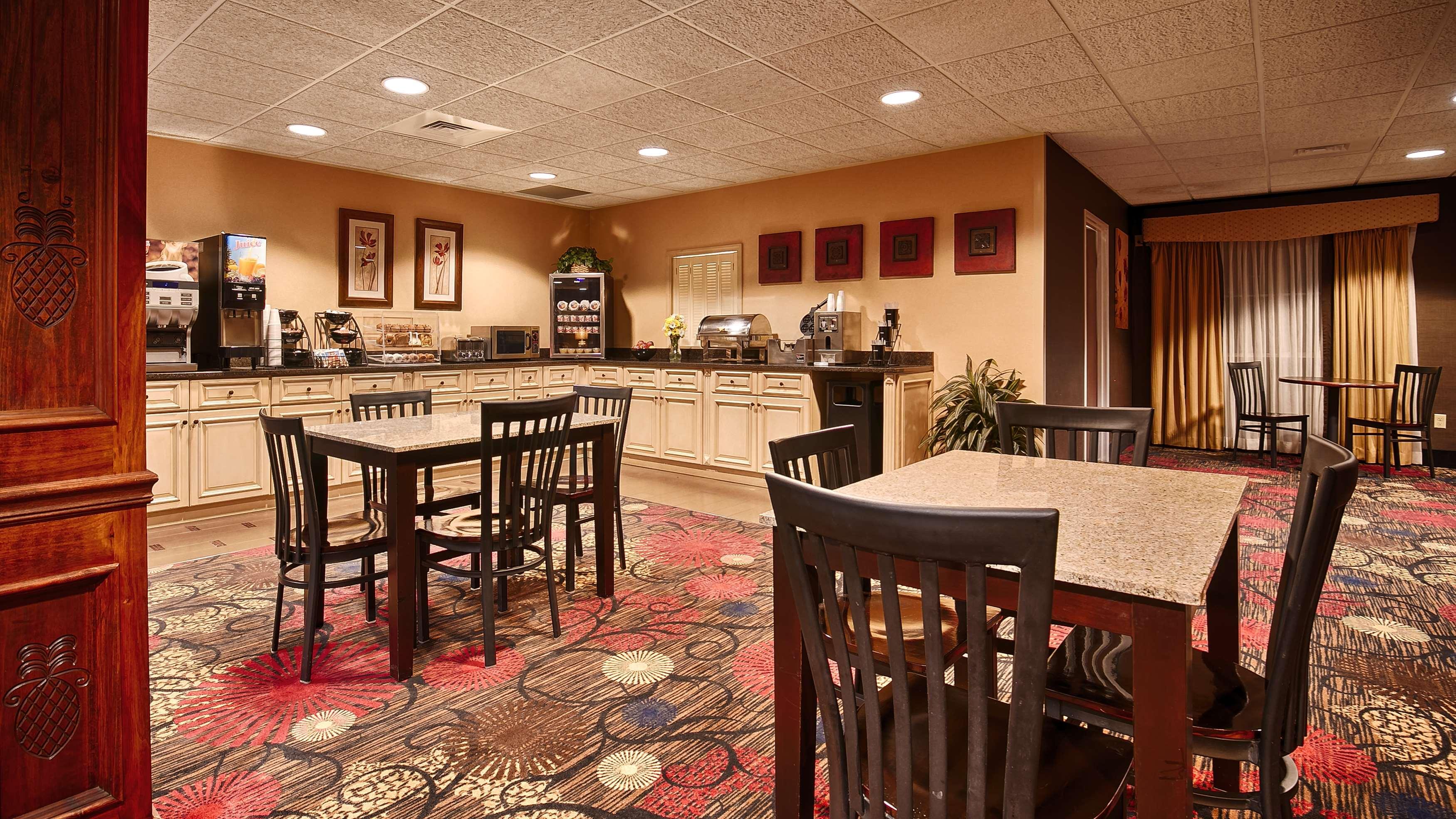 Best Western Plus Brandywine Inn & Suites image 3