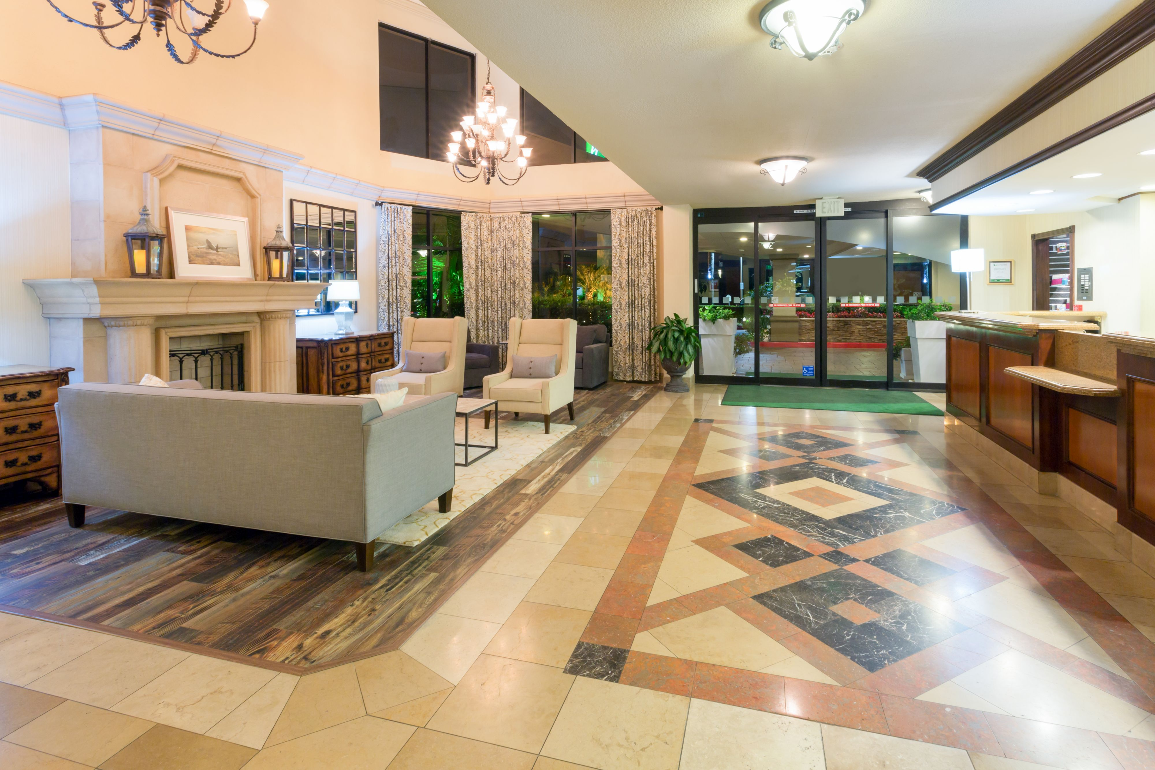 Holiday Inn Santa Ana-Orange Co. Arpt image 4